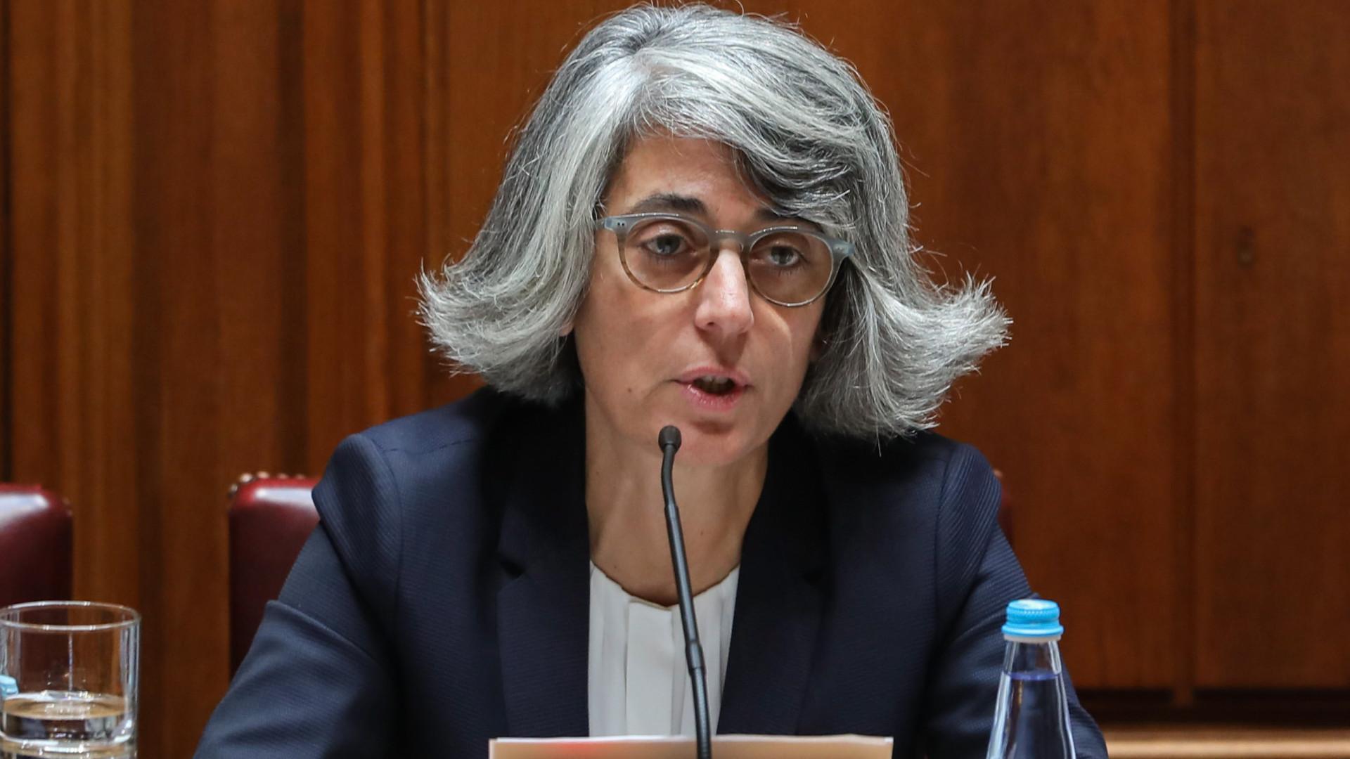 """Ministra olha """"com pouca angústia"""" para polémica do IVA nas touradas"""