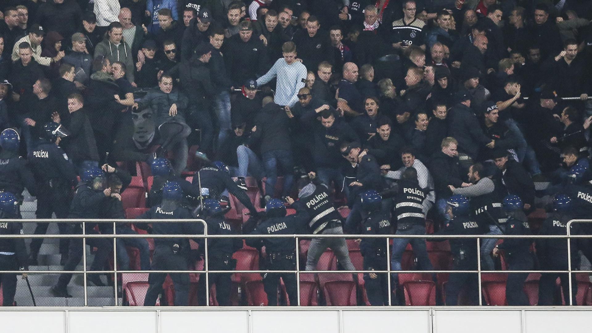 Distúrbios provocam ferido e danos em hotel após jogo Benfica-Ajax