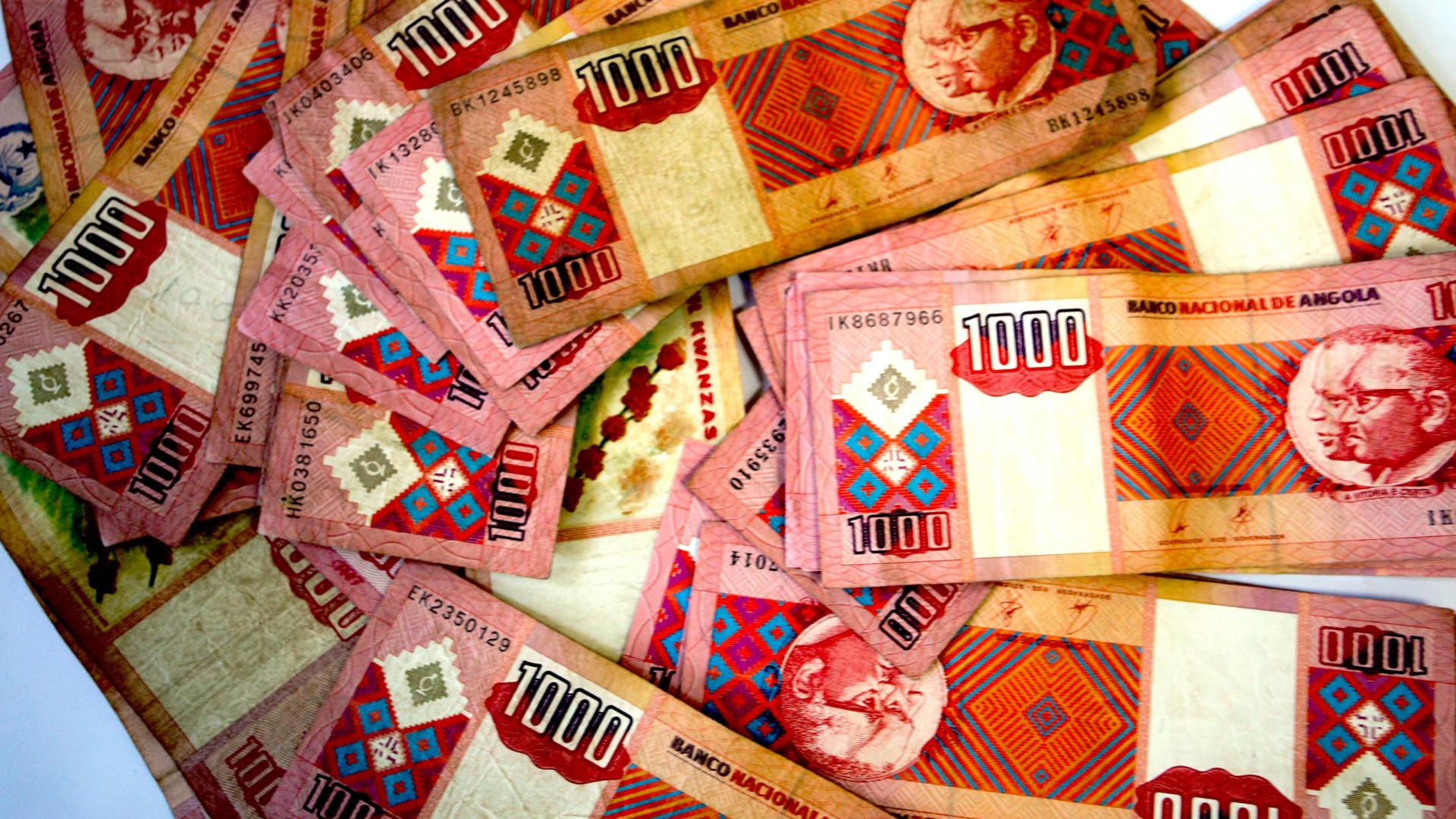Kwanza deprecia-se ligeiramente face ao euro