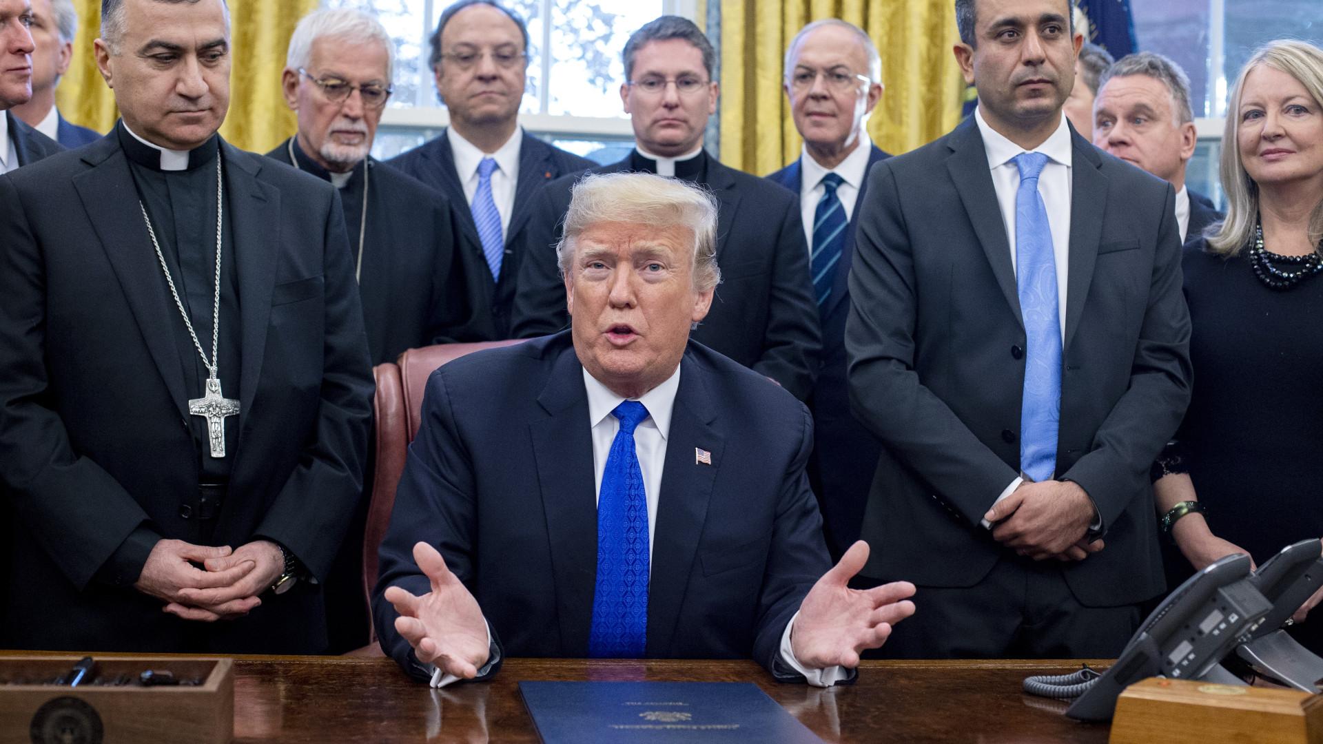 Presidentes dos EUA e do México discutem plano para a migração