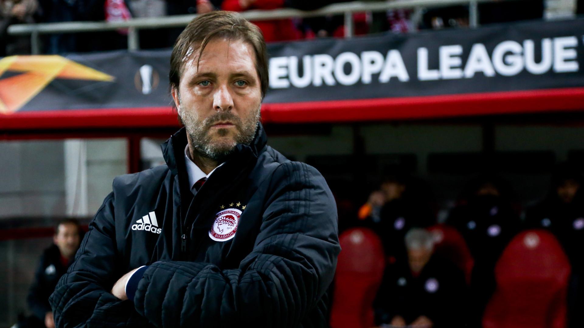 Olympiacos punido pela UEFA com jogo à porta fehada com pena suspensa