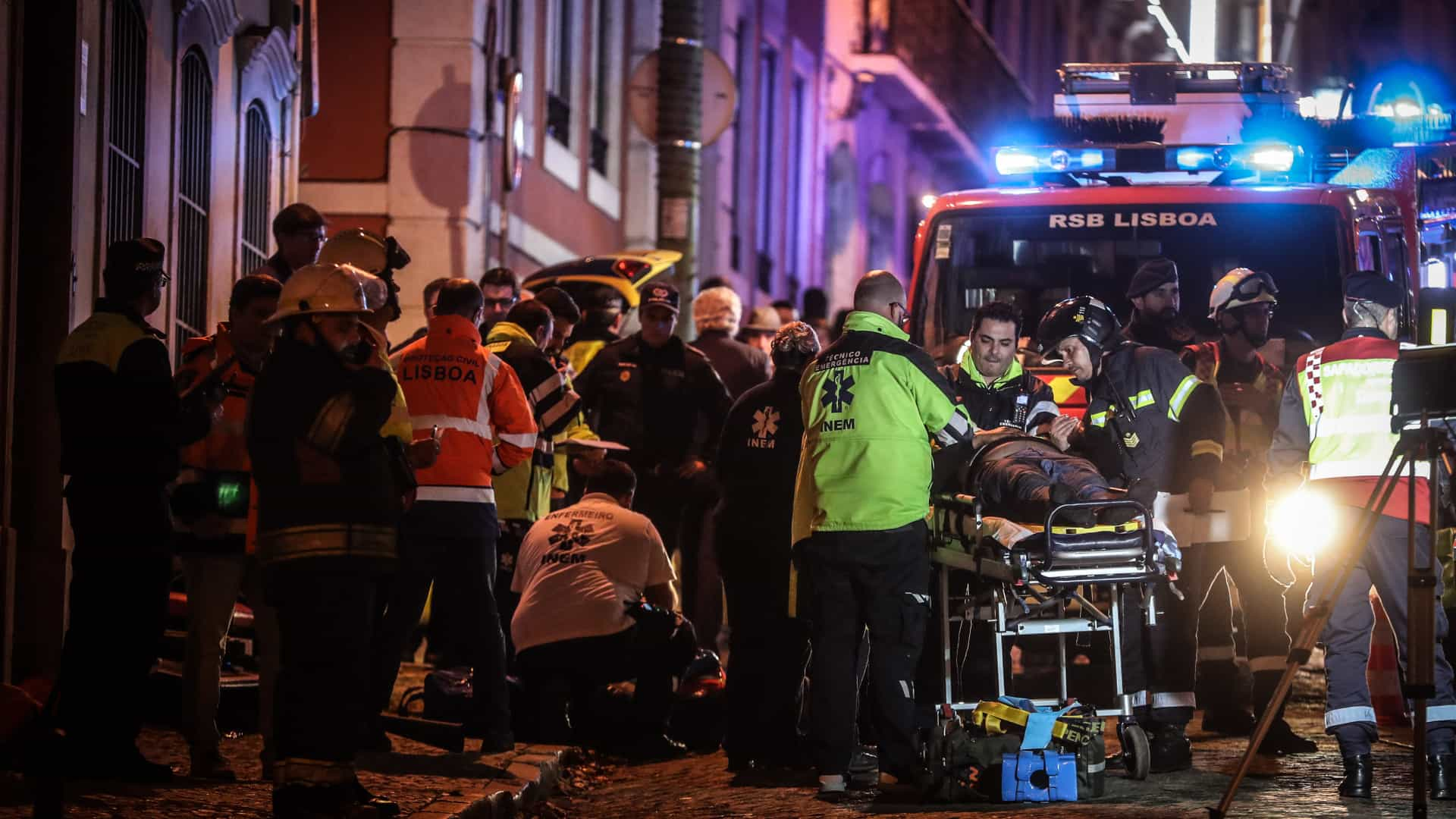 """Carris vai abrir """"inquérito minucioso"""" a acidente com elétrico"""