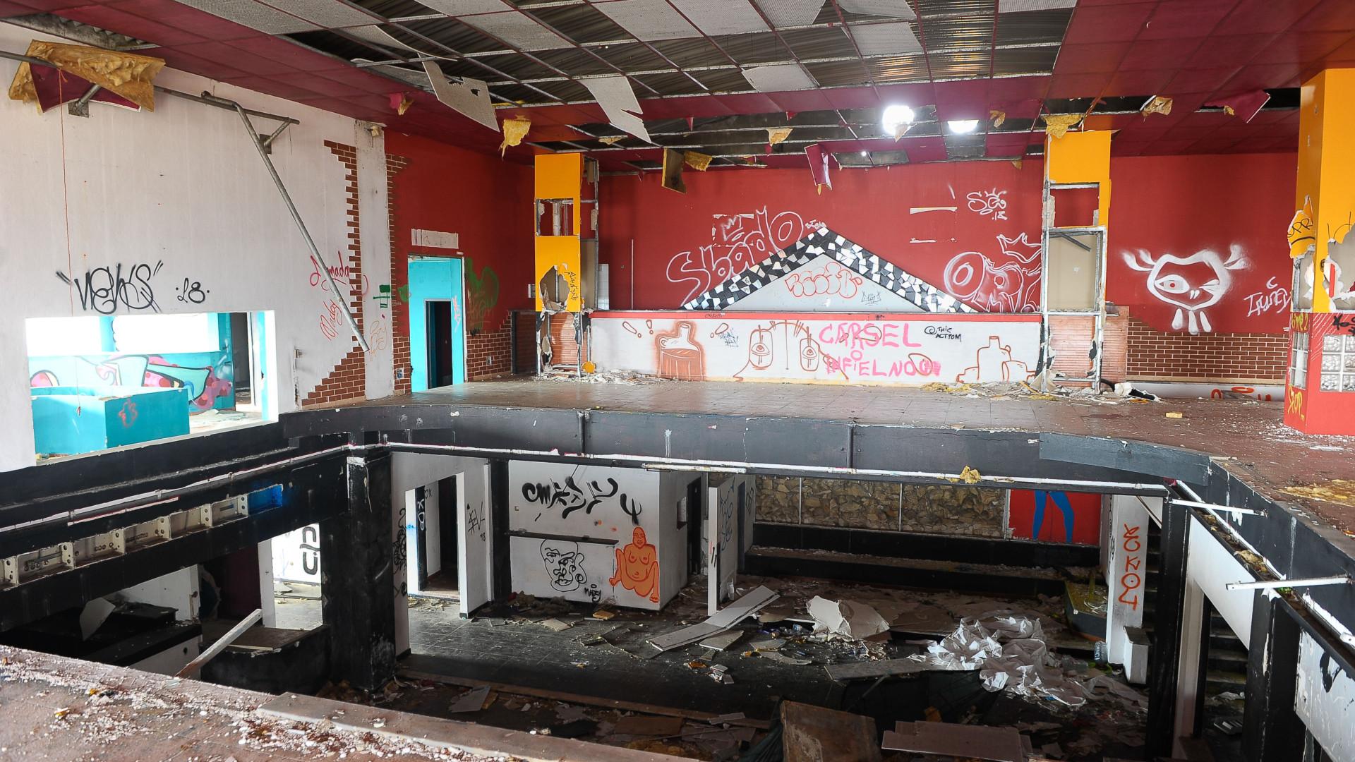Discotecas dos anos 80 abandonadas na região Centro sobrevivem na memória