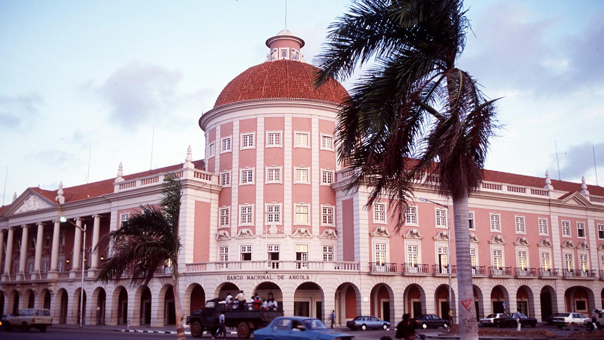 Reservas angolanas crescem quase 1.400 milhões de euros em um mês
