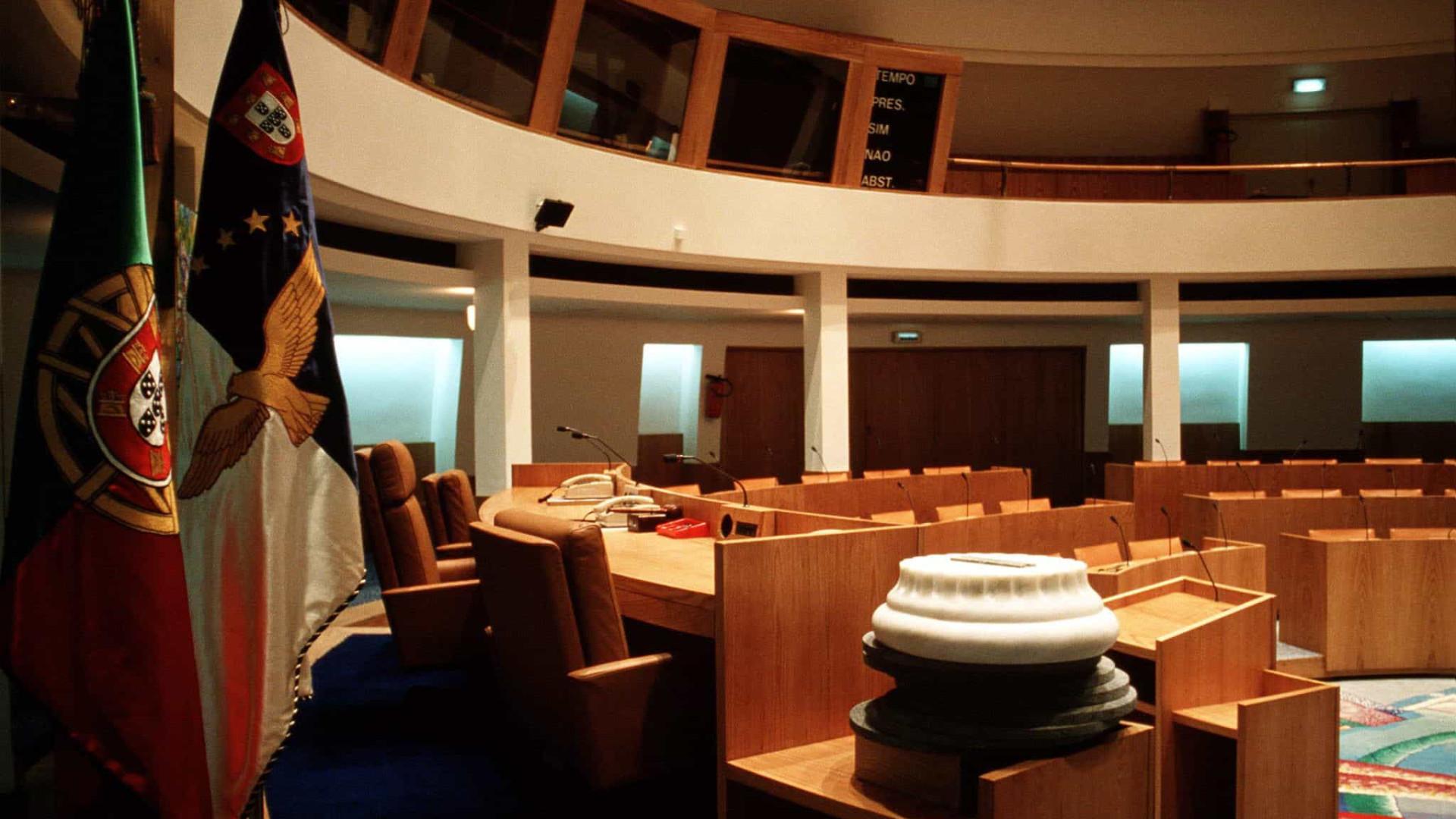Metade dos deputados do parlamento açoriano integra listas às autárquicas