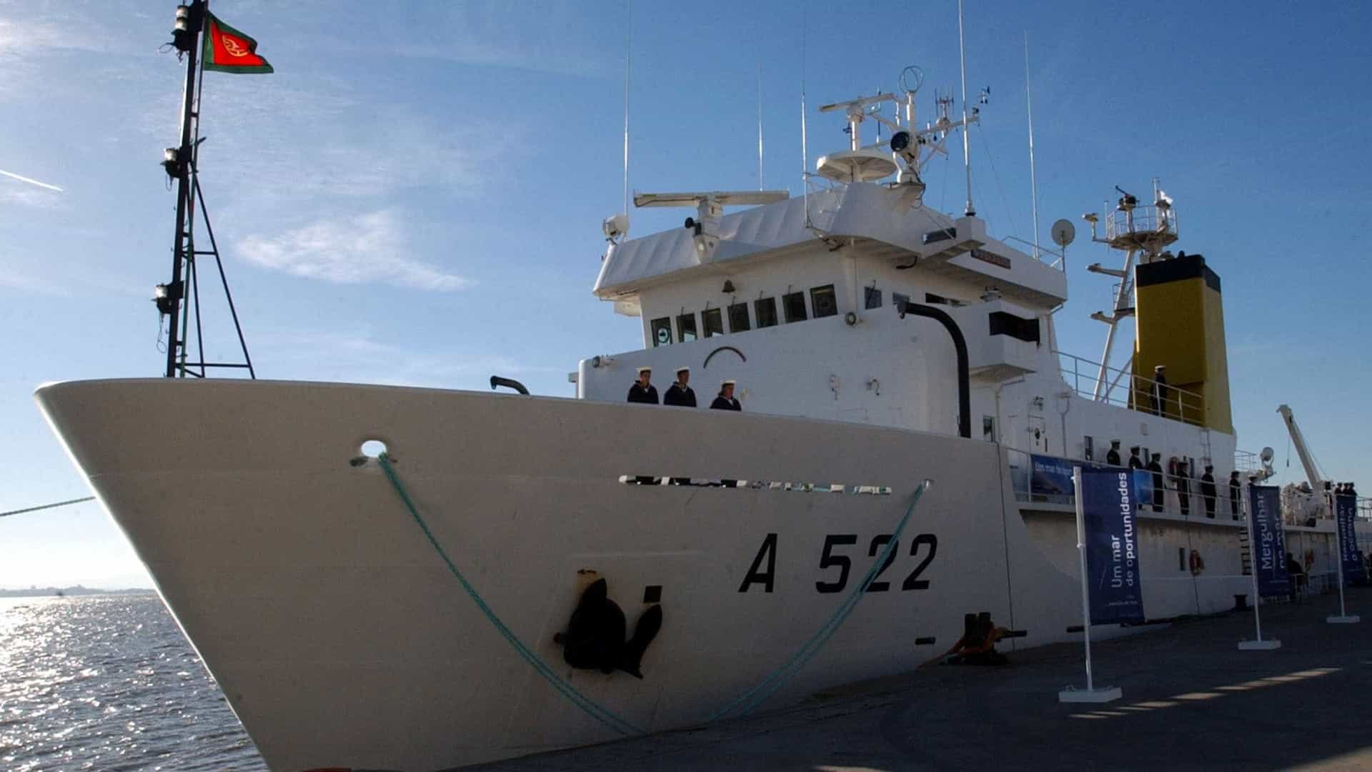 Navio da Marinha chegou a Bissau para levantamento hidrográfico