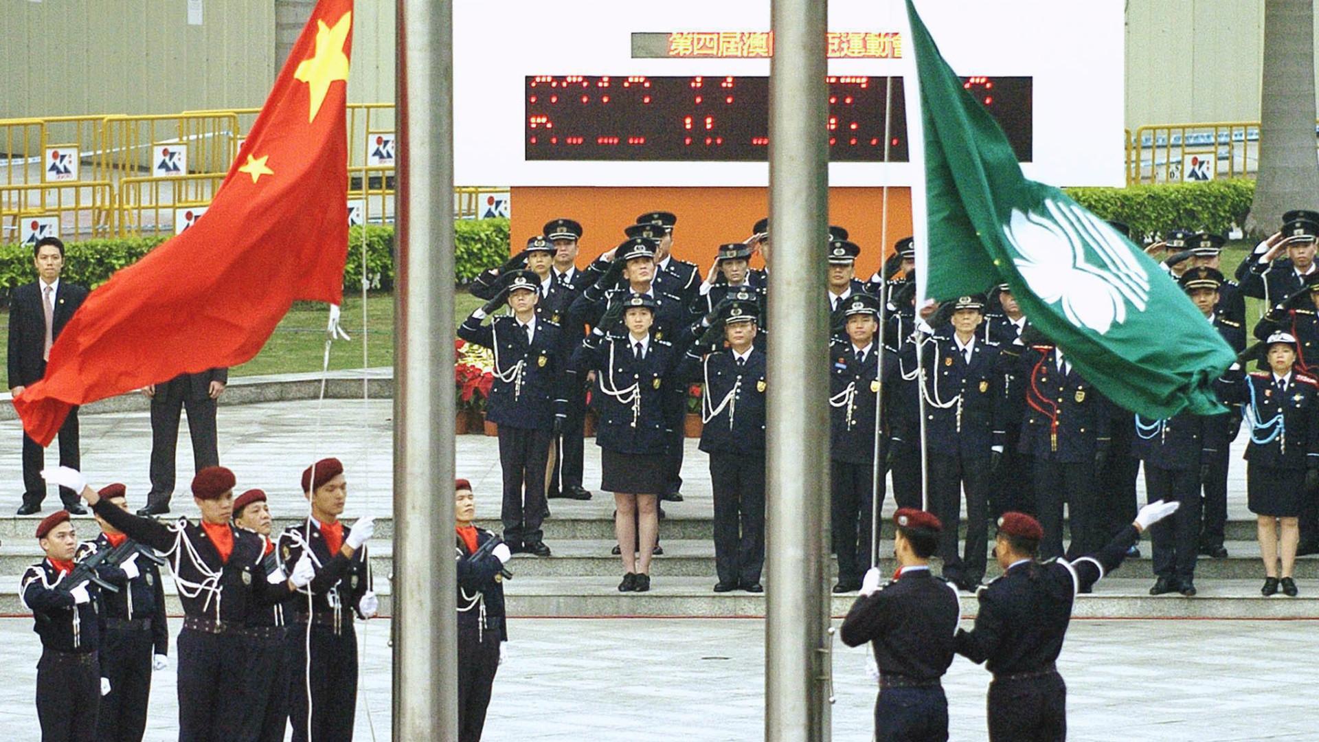 China estuda prender por até três anos quem desrespeitar o hino nacional