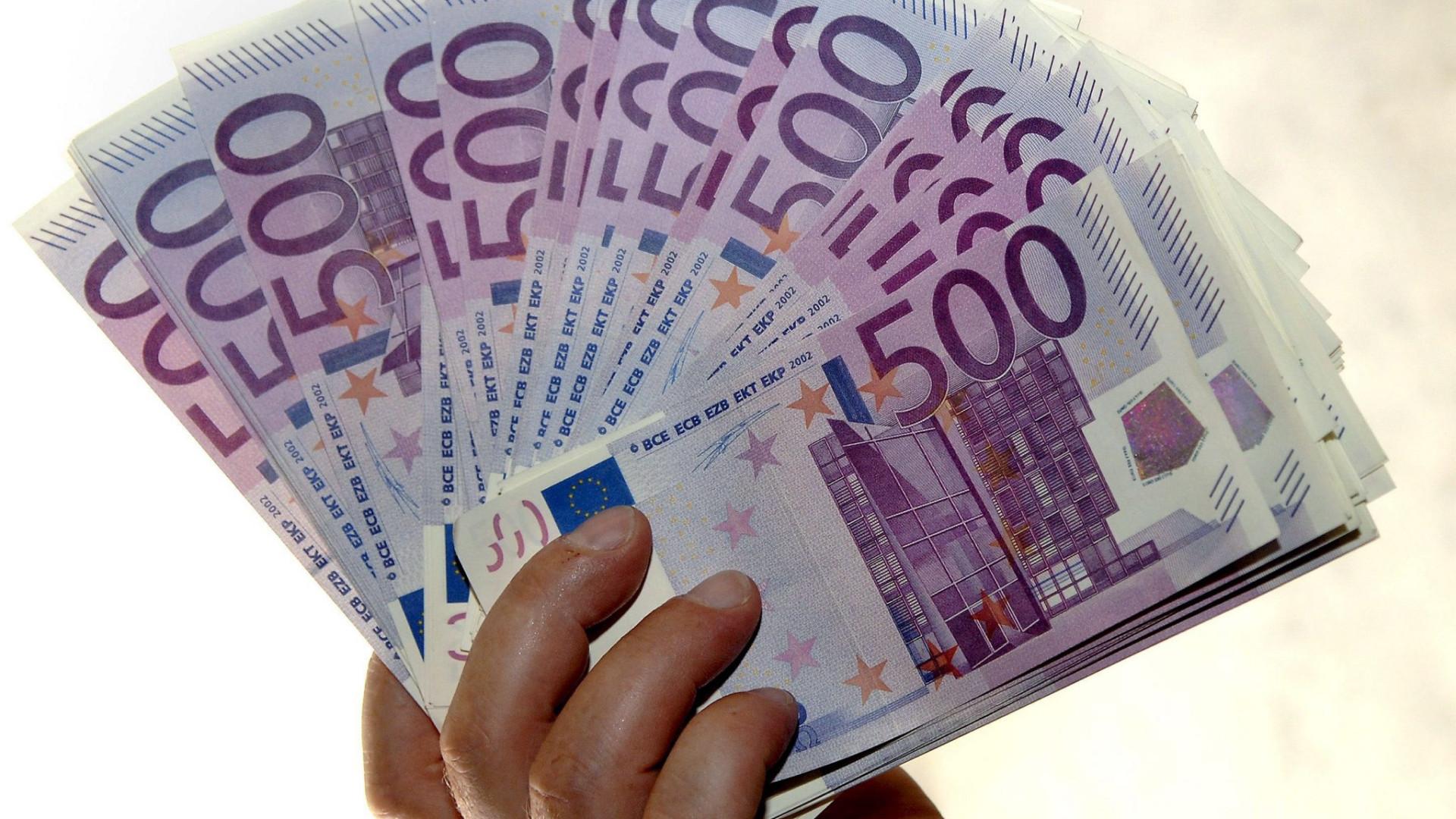 Discutida 5.ª feira proposta para conhecer contas acima de 50 mil euros