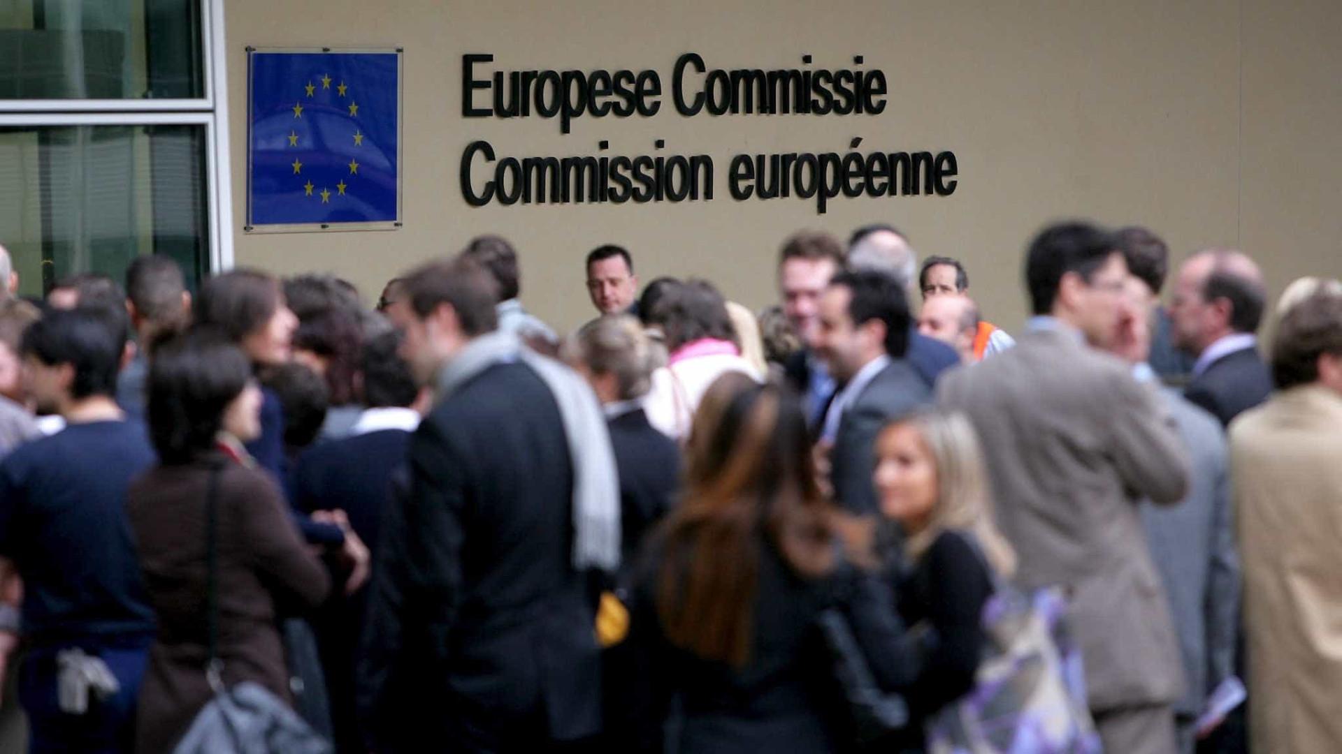 UE abre procedimento de infração contra Polônia