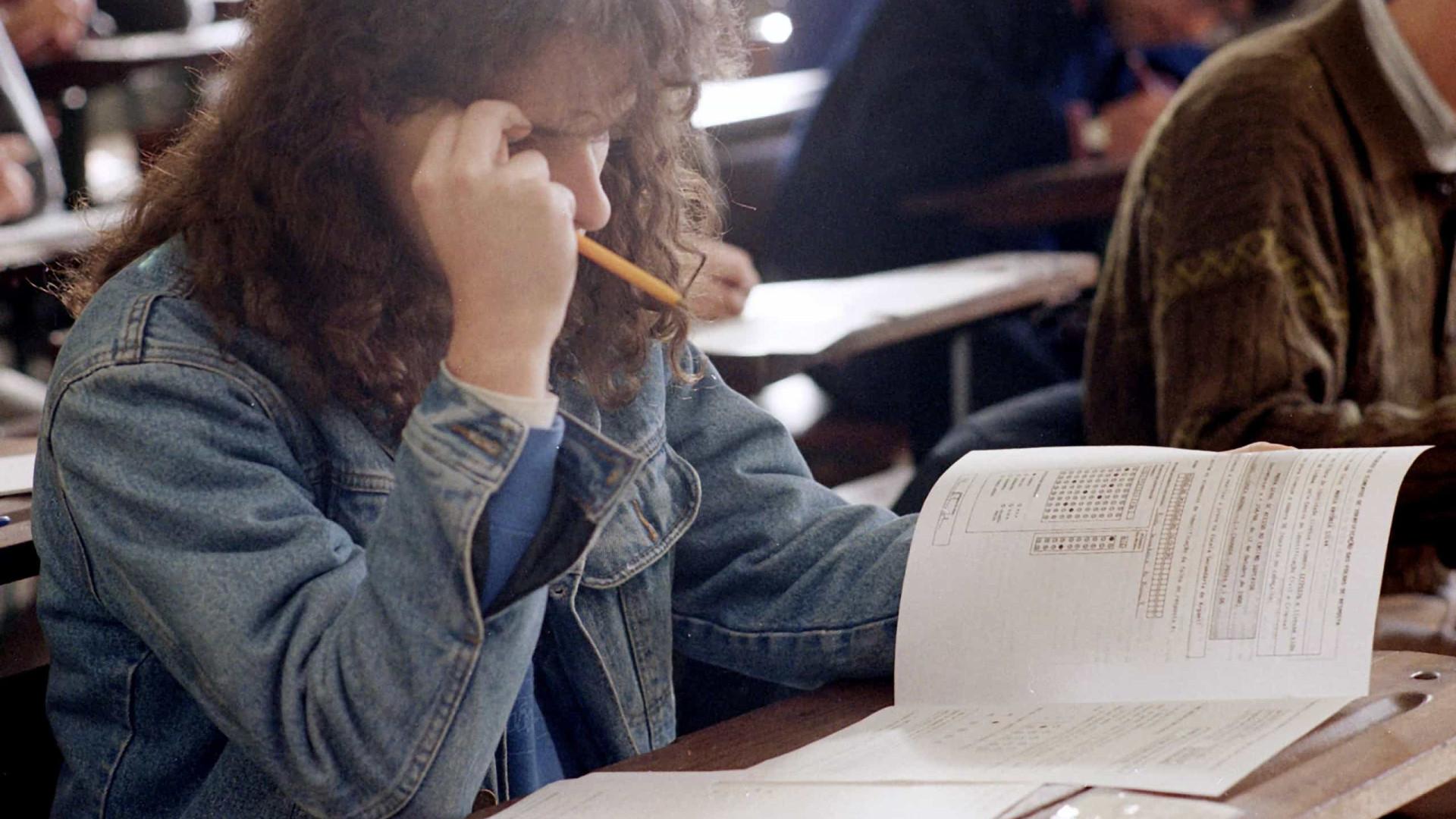 Associações de pais exigem que Governo altere data dos exames