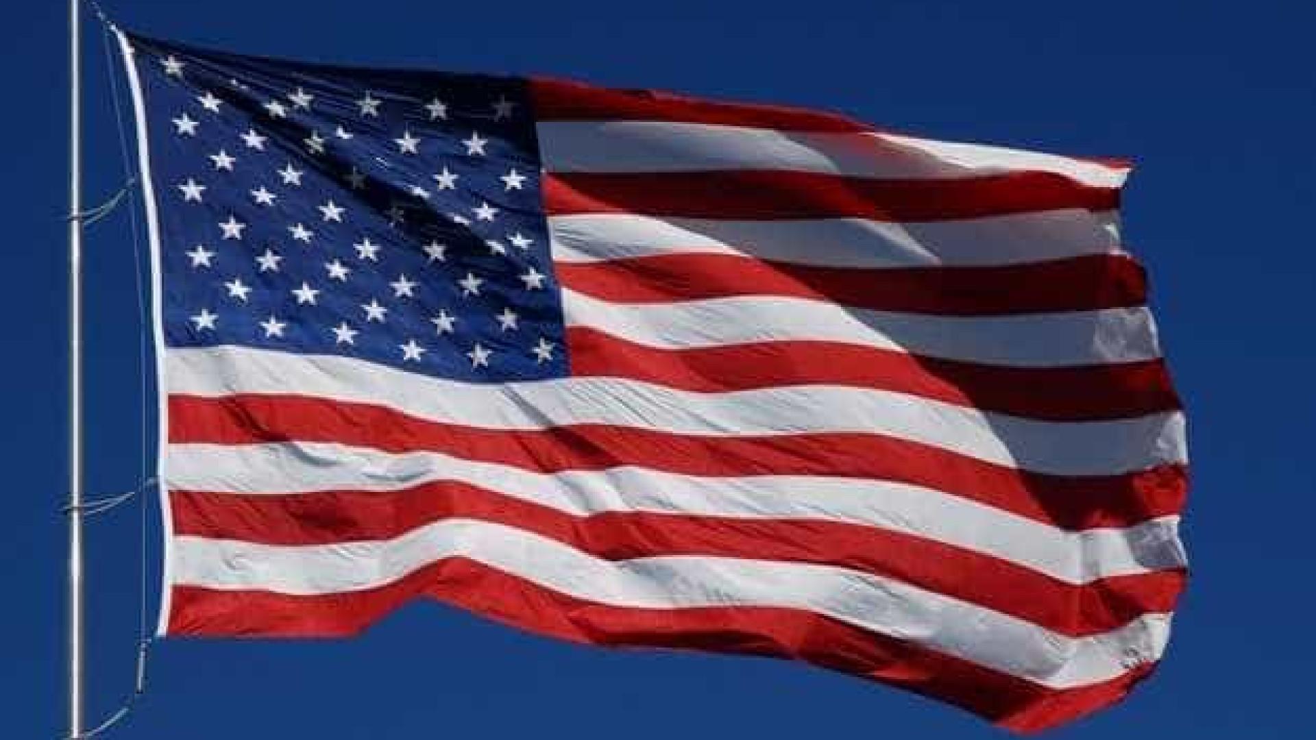 Bandeira dos EUA volta a ser içada na embaixada em Cuba, 54 anos depois