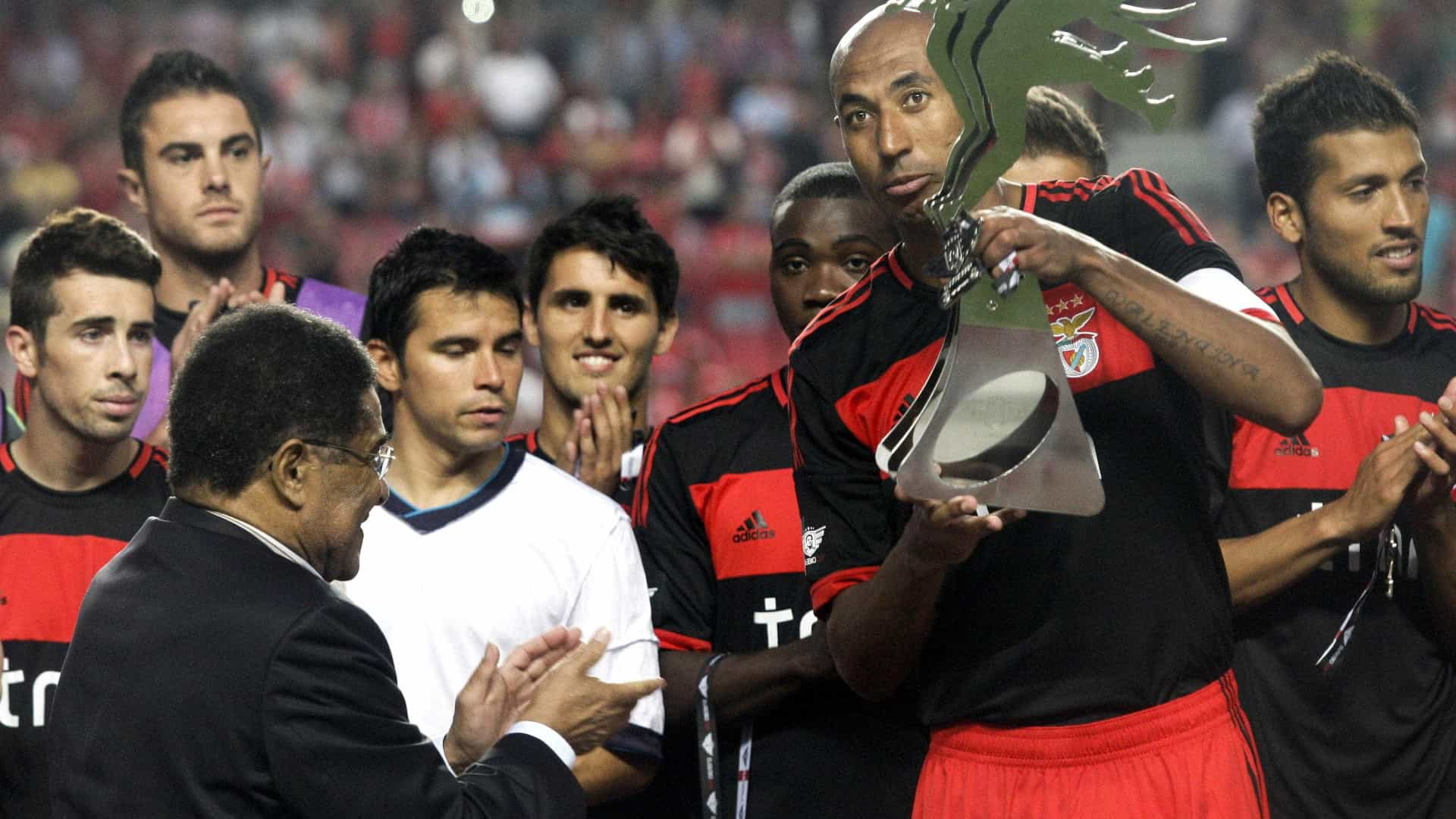 Benfica: Eusébio Cup cancelada e Rangers