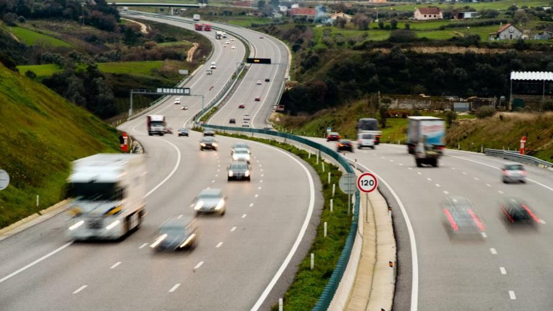 Auto-estradas são 5% mais baratas que estradas sem portagem