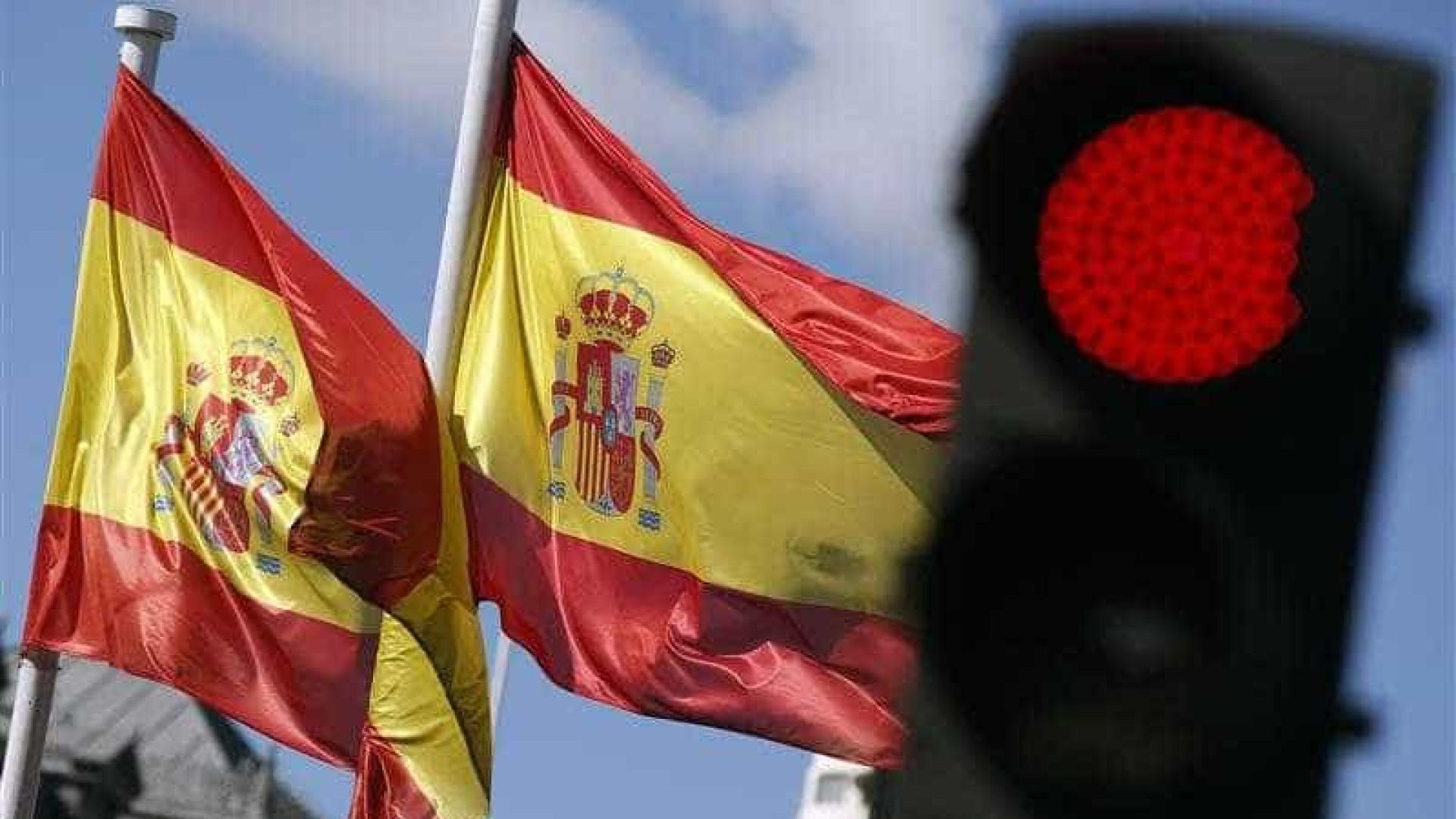 Milhões participam de greve em apoio às mulheres na Espanha
