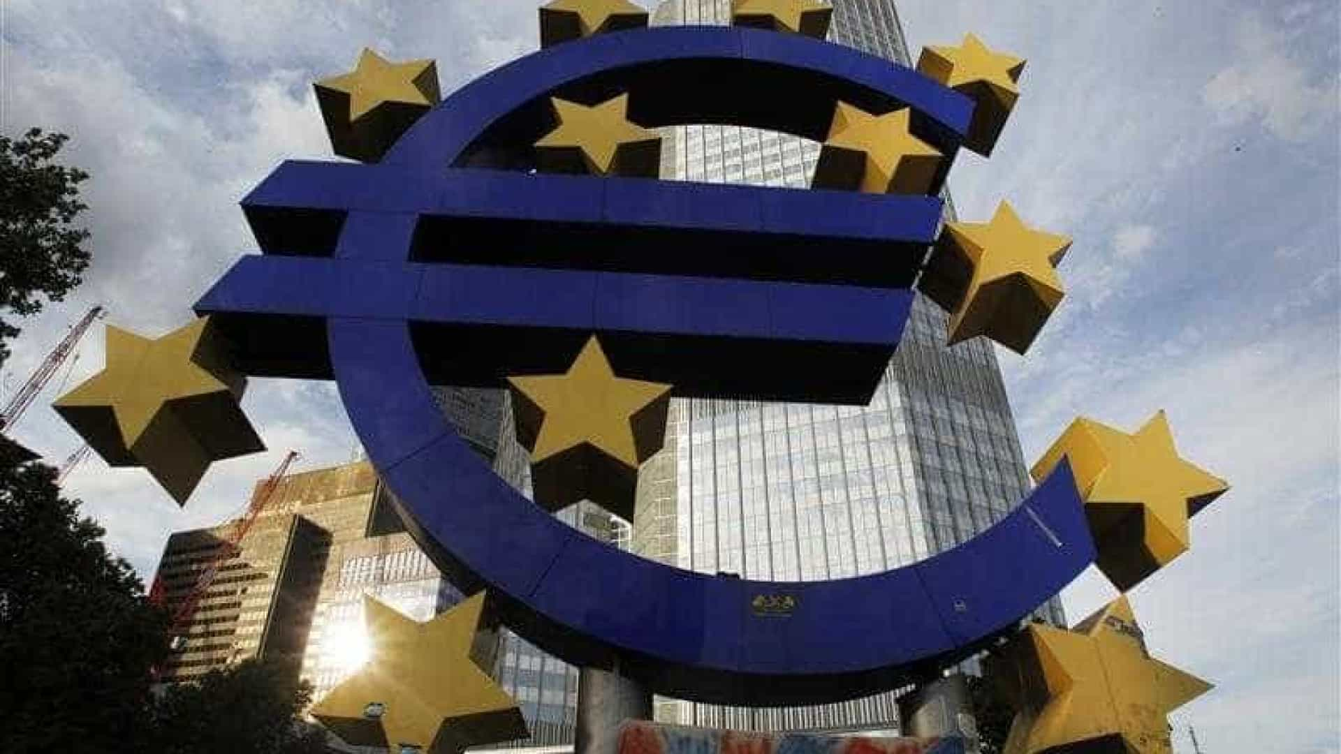 Taxas Euribor sobem a 3 meses e descem a 12 para novo mínimo de sempre