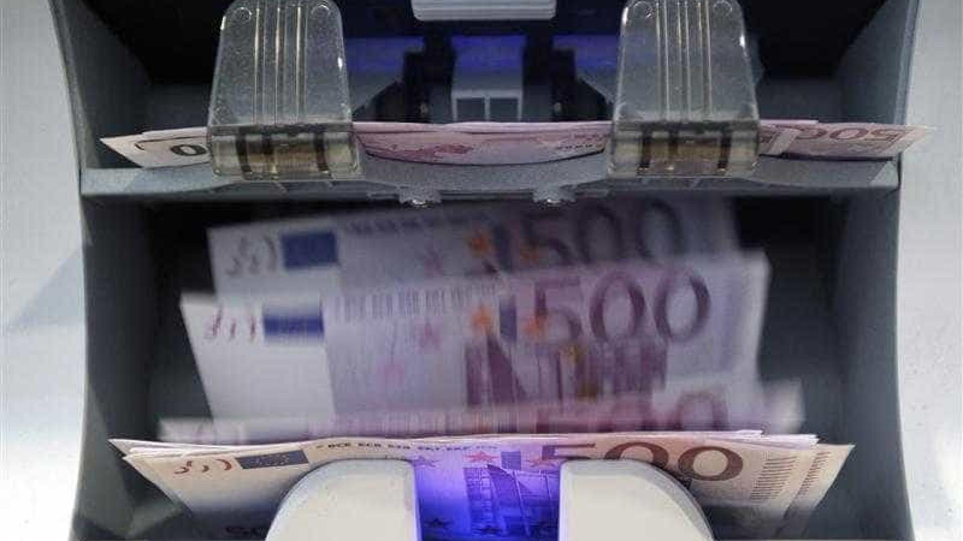 Governo vai pagar subsídio de Natal em duodécimos