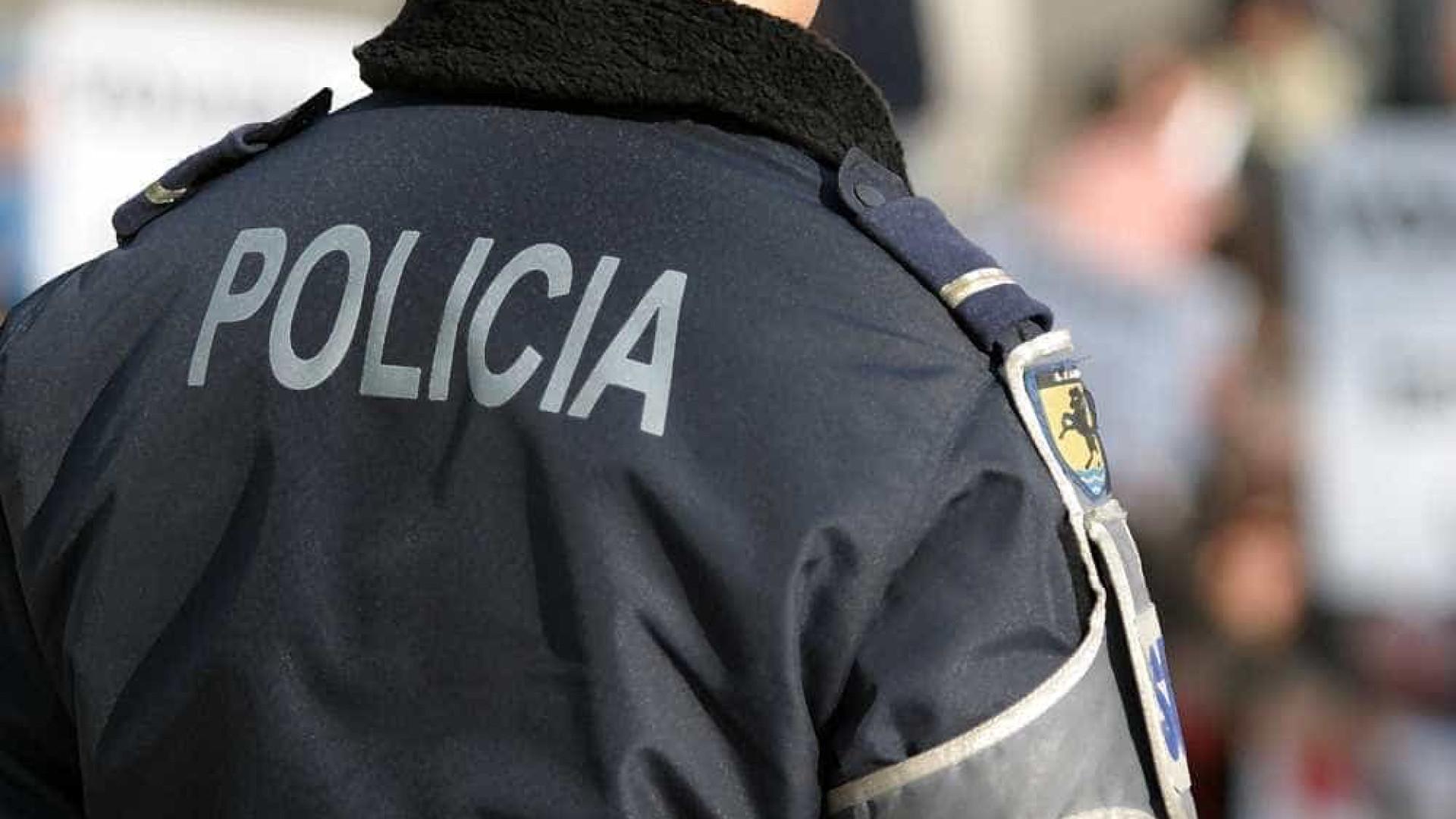 Agente de folga apanha dois carteiristas em flagrante