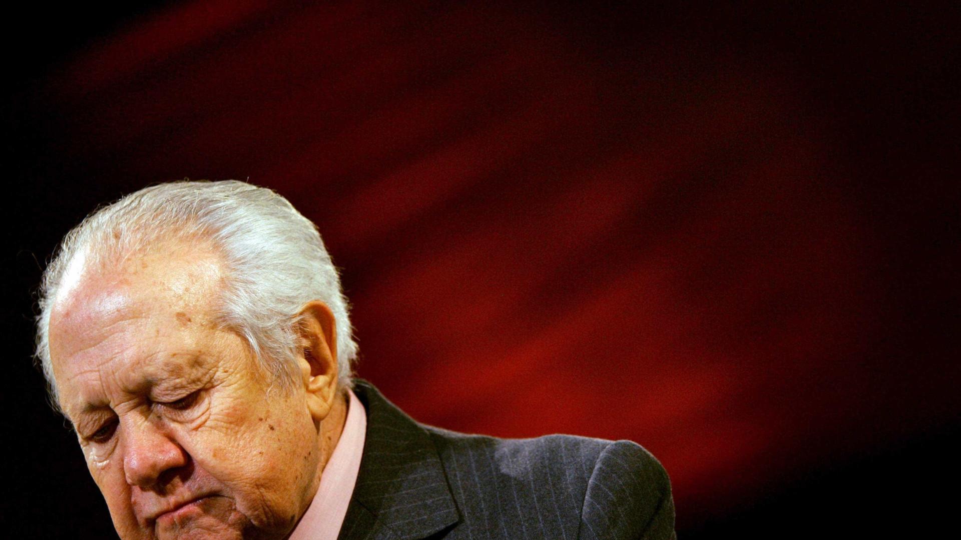 """Soares: Alterar a Constituição """"daria uma guerra civil"""""""