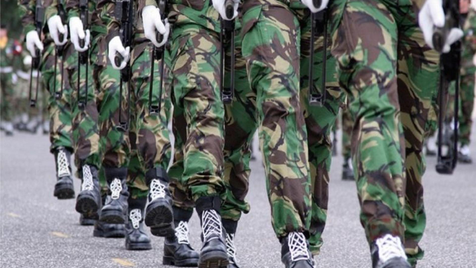 Militares desmaiam na parada do 10 de Junho