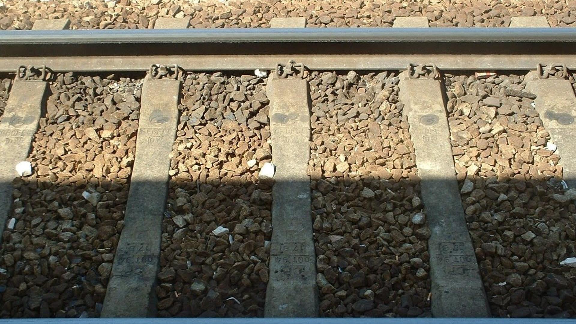 Antes de acidente mortal, jovens atiraram pedras a comboio
