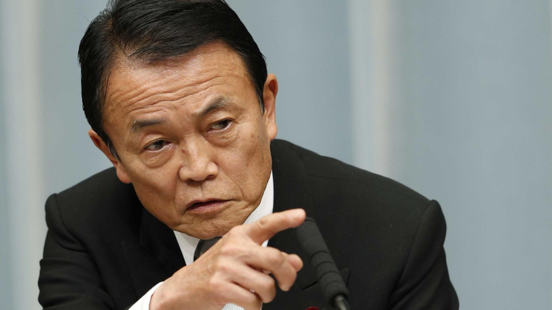 """Idosos devem """"morrer rapidamente"""" para poupar o Estado, diz ministro japonês"""