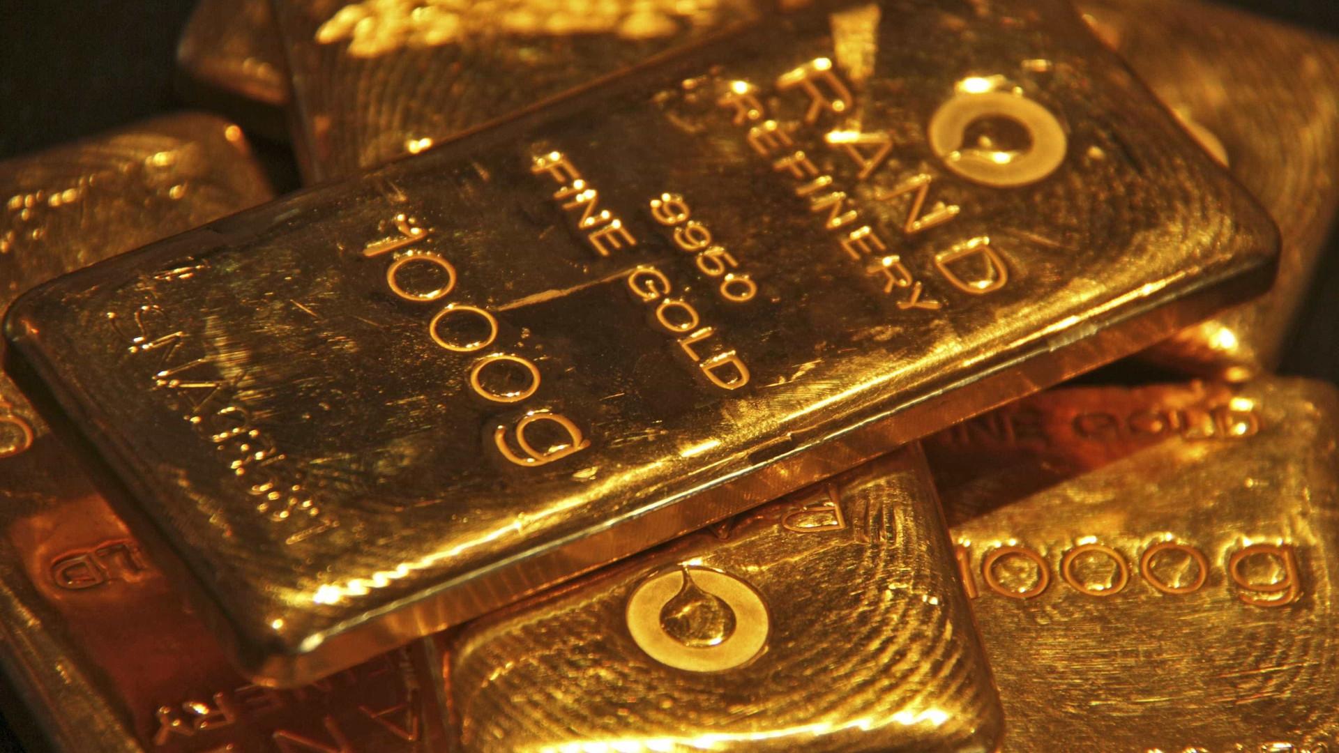 Ouro volta a ganha força com ajuda da China e Estados Unidos