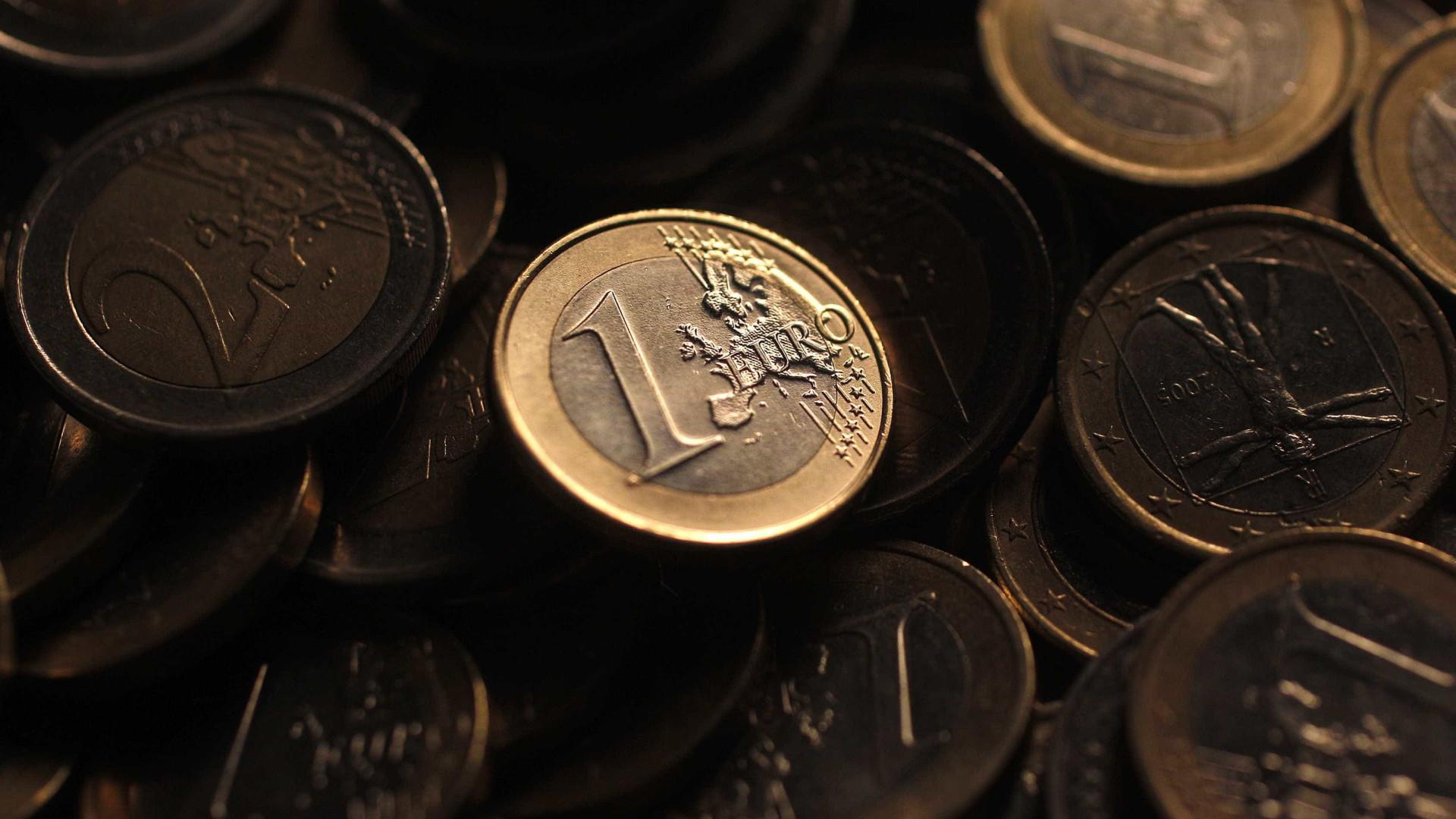 Euro recua face ao dólar pela quinta sessão consecutiva