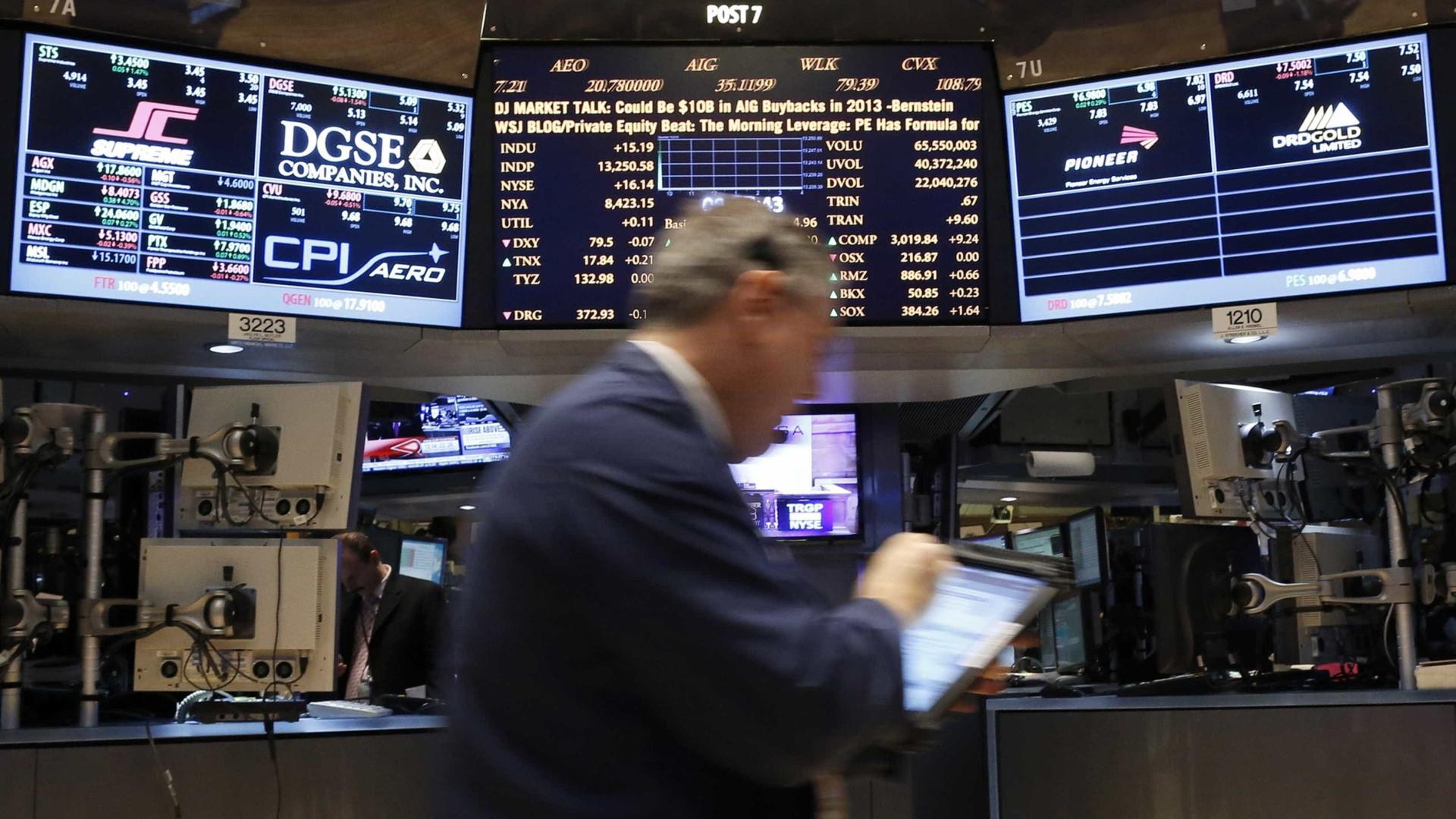 Wall Street começa dia a ganhar