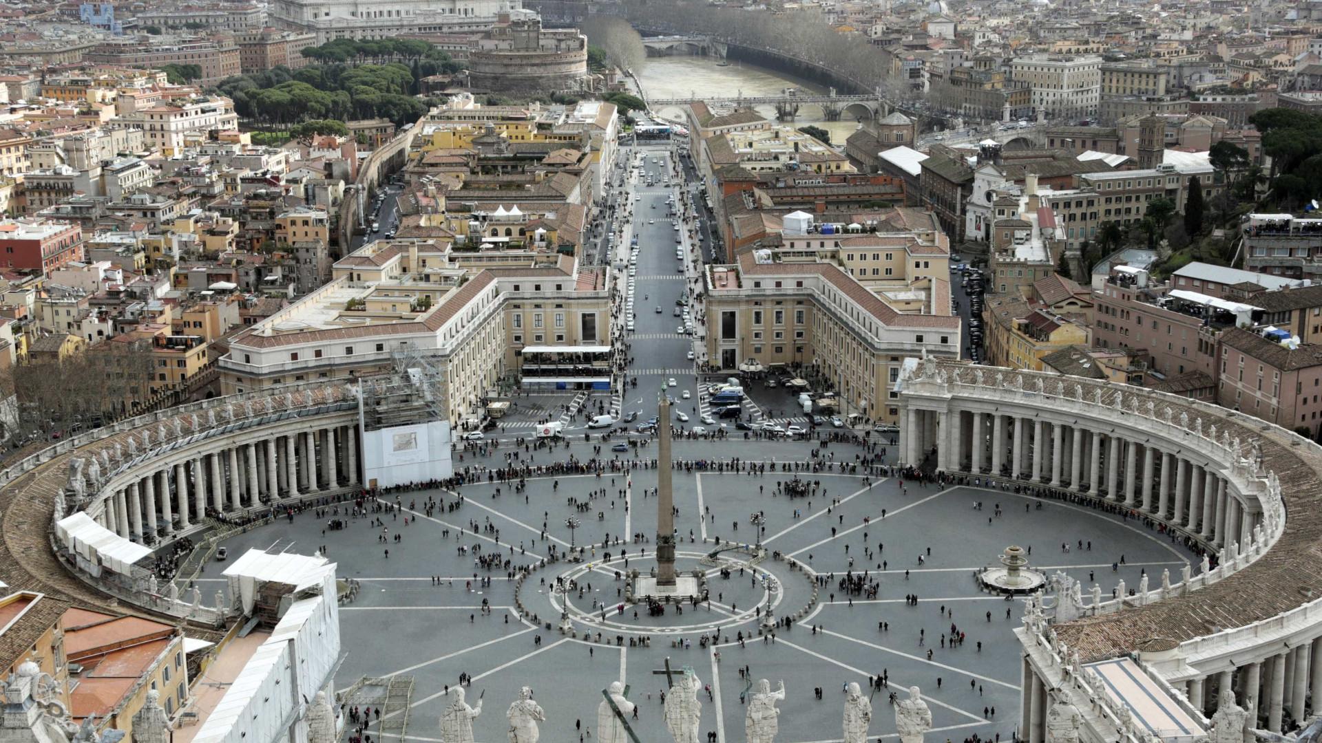 """Vaticano aprova ação contra ISIS para parar """"genocídio"""""""