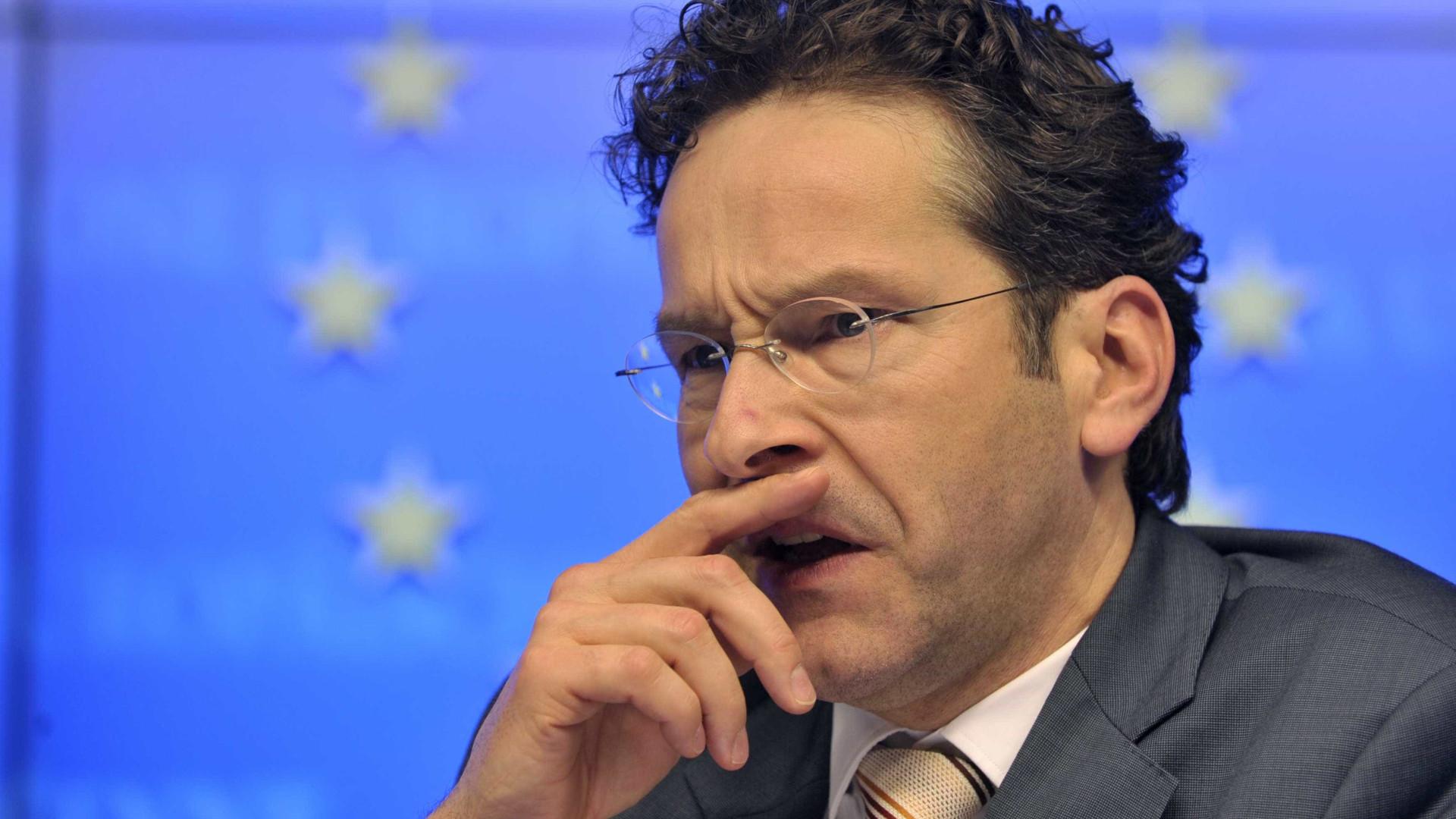 """Grécia """"está melhor"""" mas é preciso implementar reformas"""