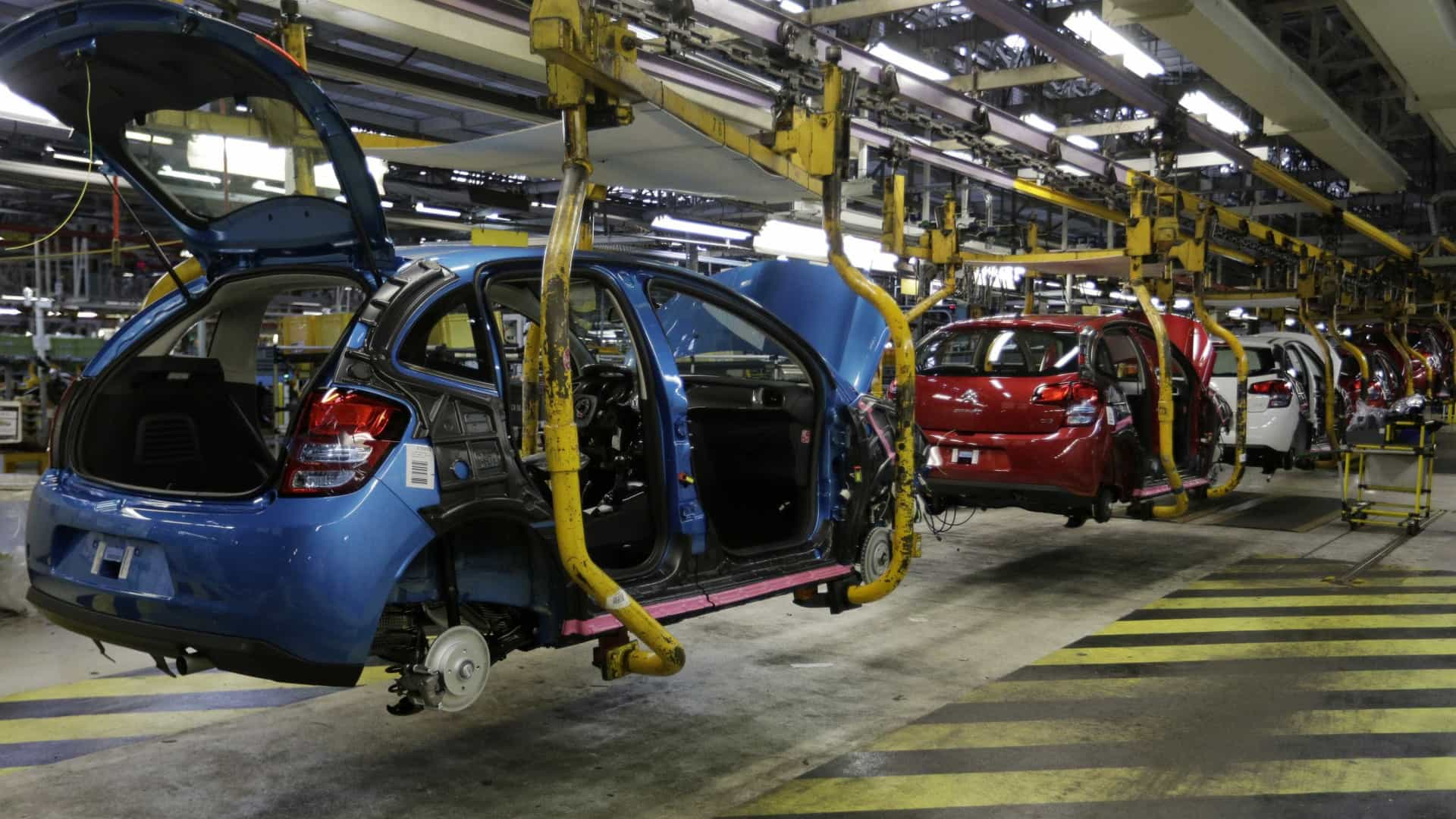 Dona da Peugeot, Citroën e Opel confirma produção em Mangualde