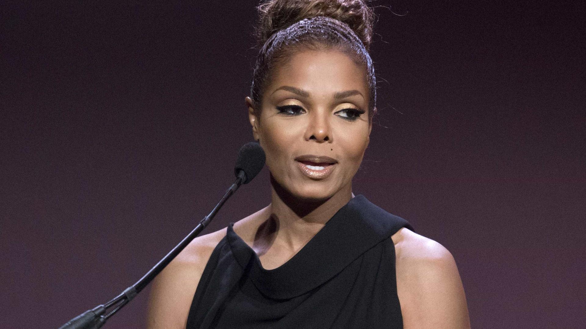 """Irmão diz que Janet Jackson sofreu de """"abusos verbais"""" durante casamento"""