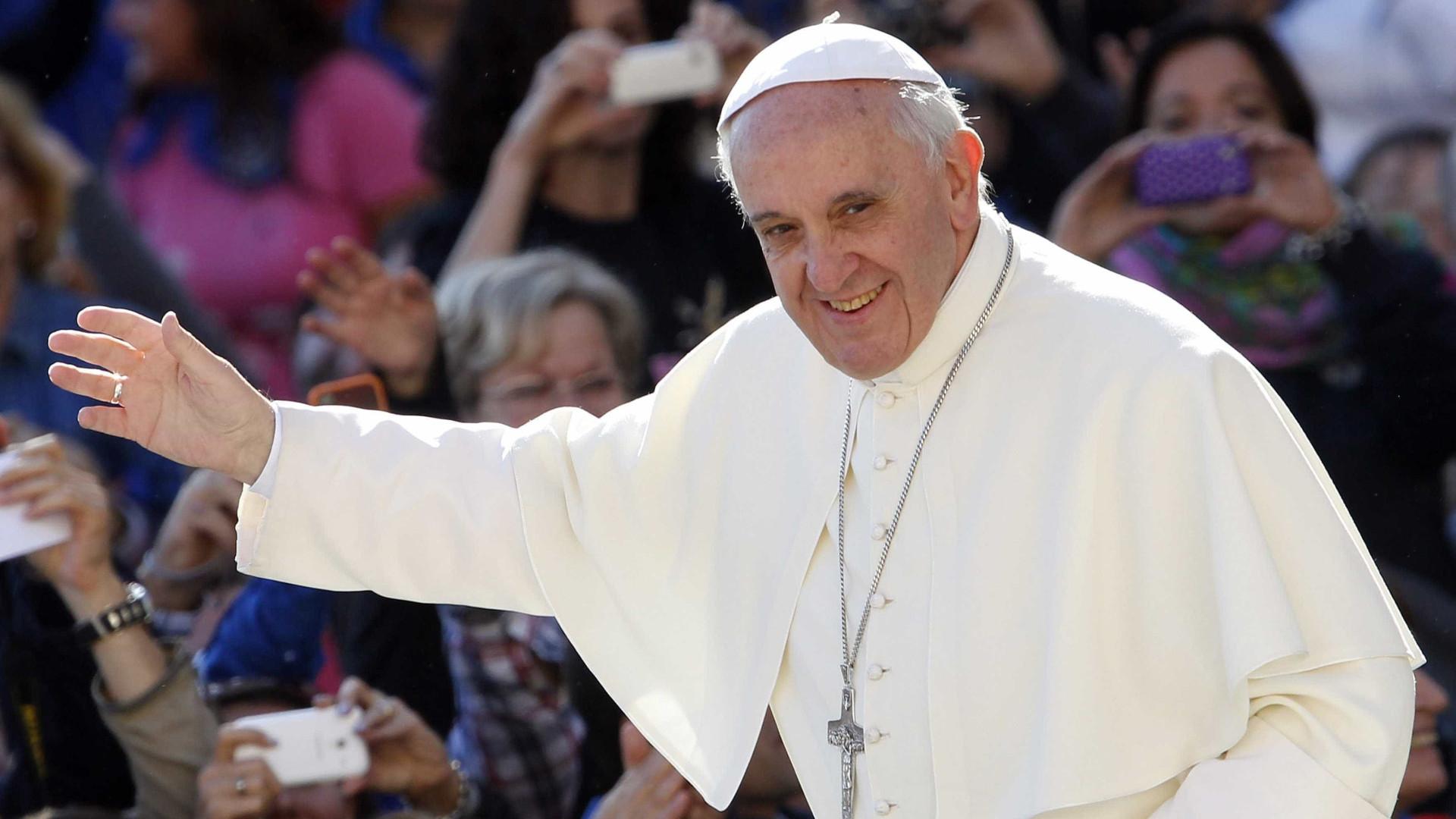 Papa revela que consultou psicanalista.