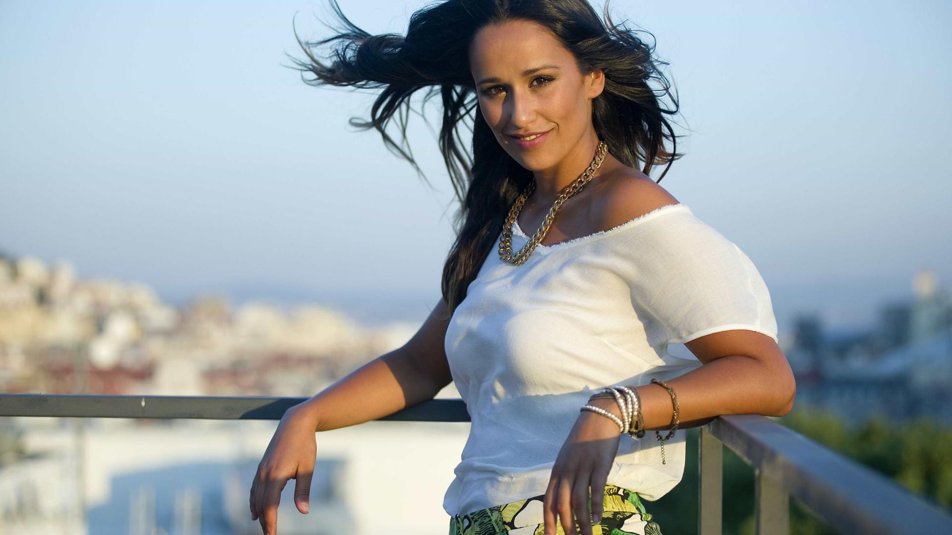 """Rita Pereira queixa-se à TVI: """"A cadeira está inclinada e os atores caem"""""""