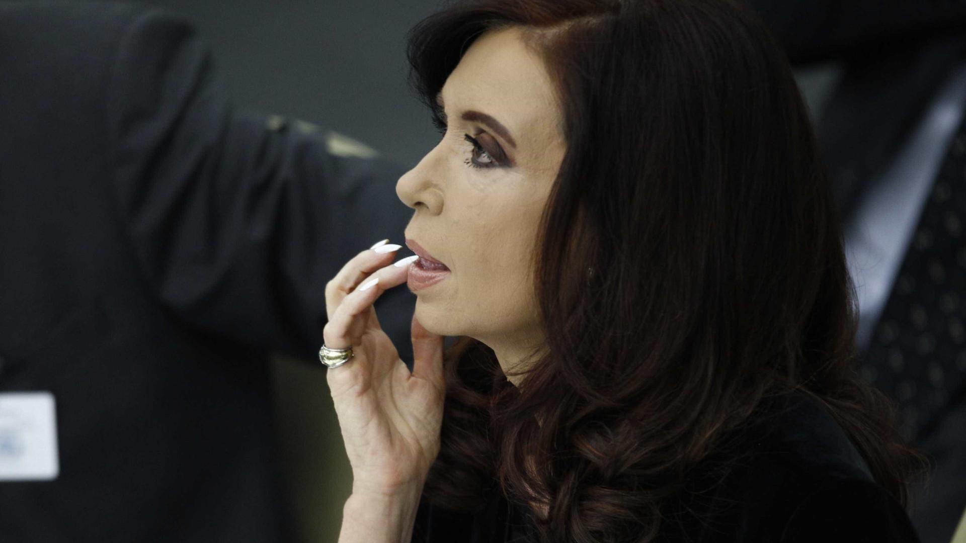 Ex-líder Cristina Kirchner diz que acusações violam Estado de direito