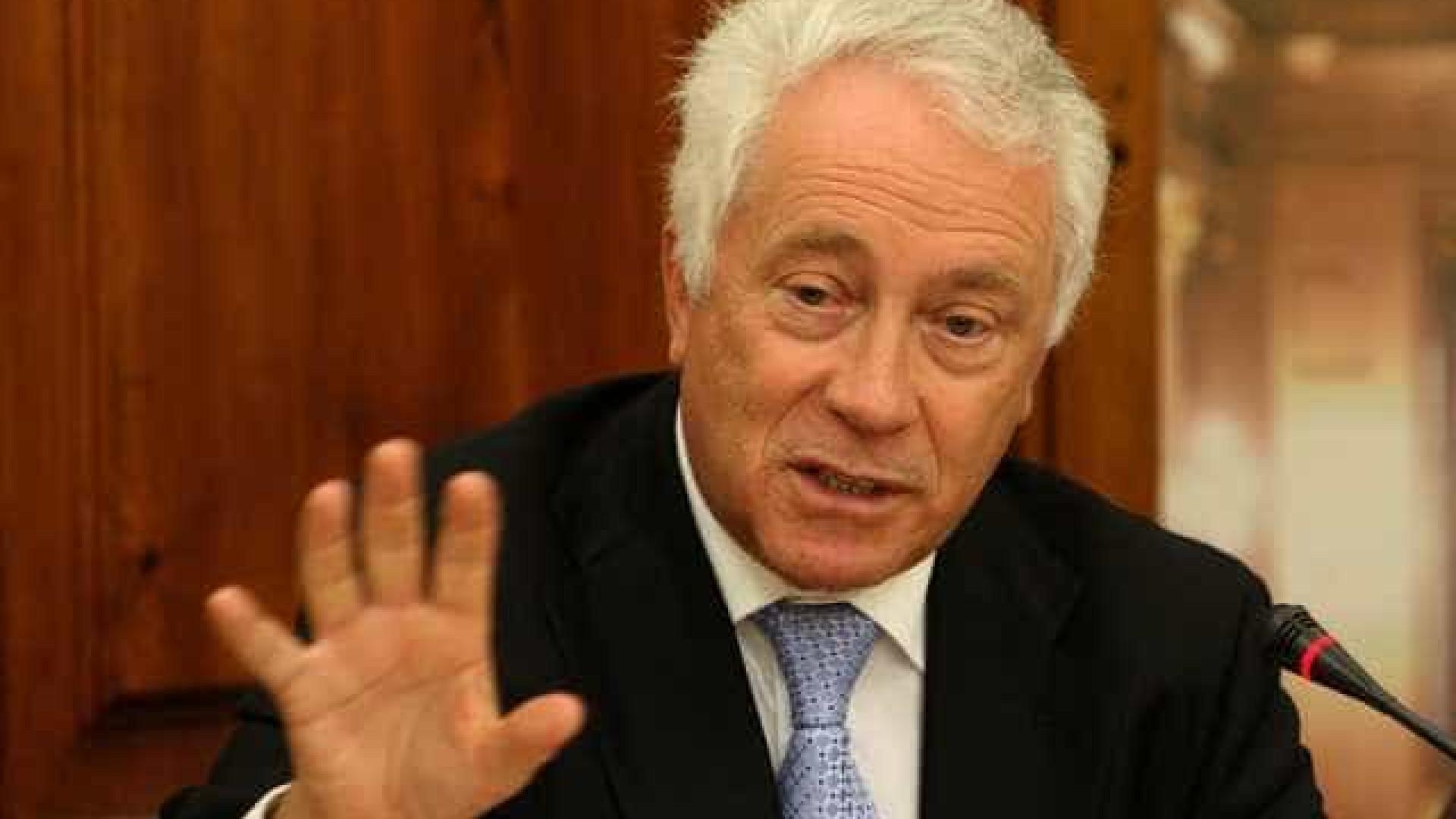 CGD: Comissão vai tentar ouvir Carlos Costa e Centeno no início de junho