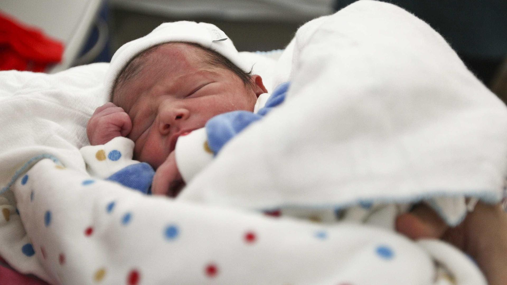 Pedida flexibilização fiscal e laboral para que se façam mais bebés