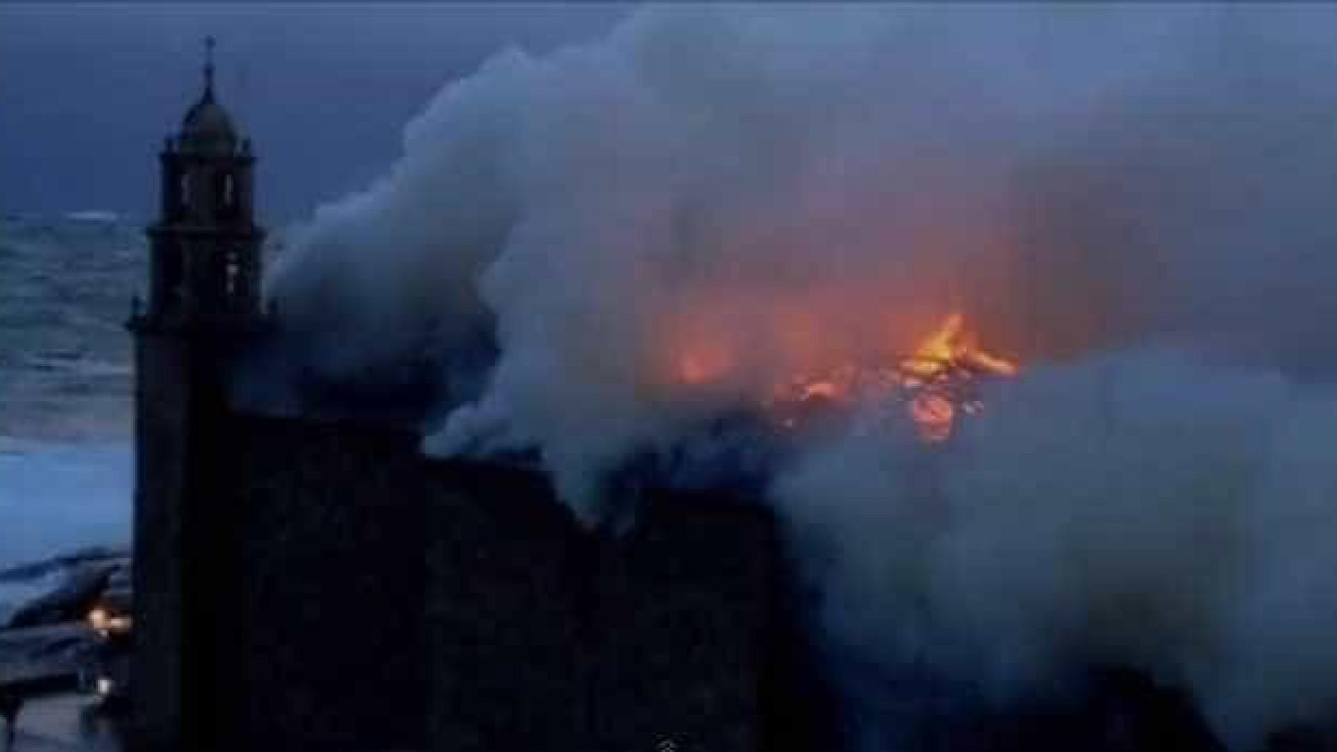Santuário espanhol destruído por raio
