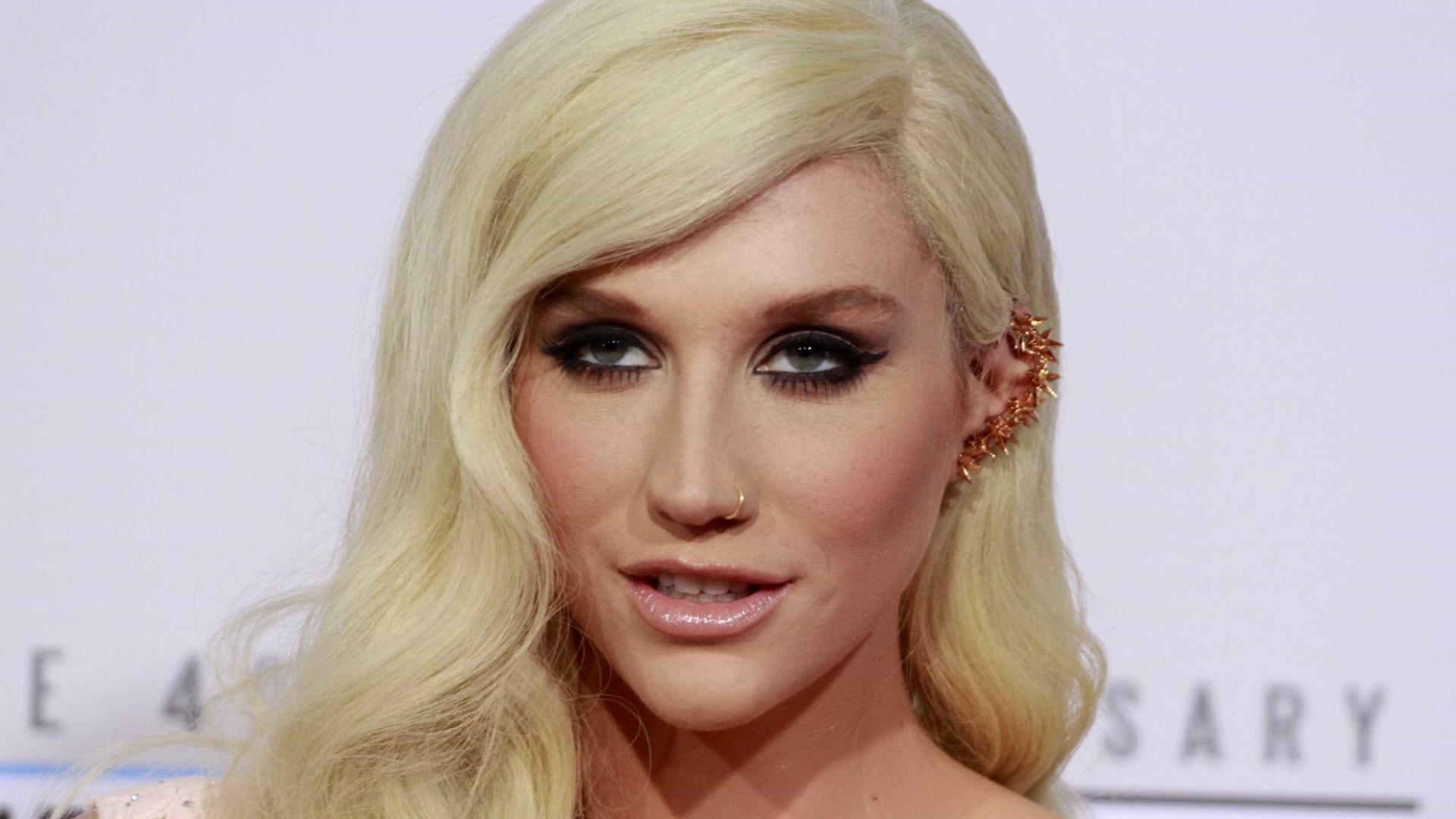 Kesha relembra o seu encontro com extraterrestres