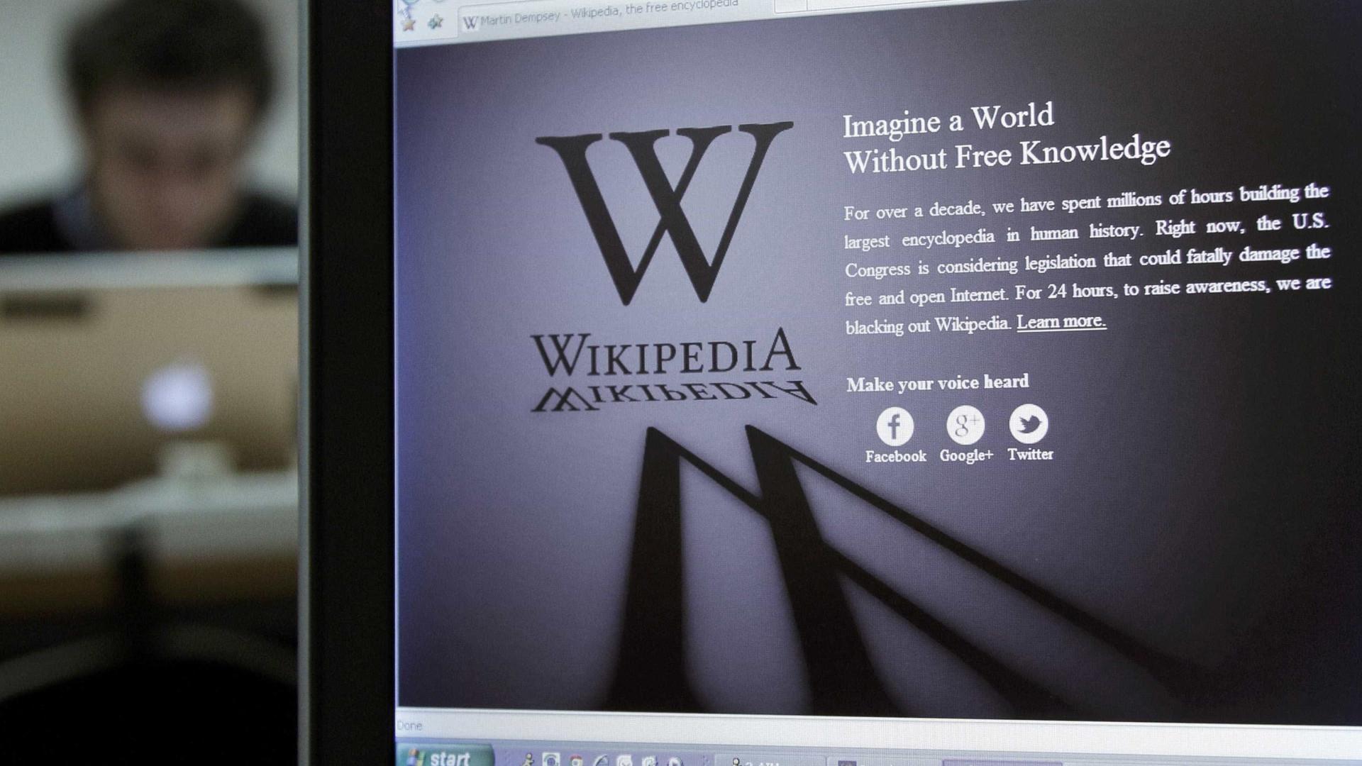 Famosos 'dão voz' à Wikipedia
