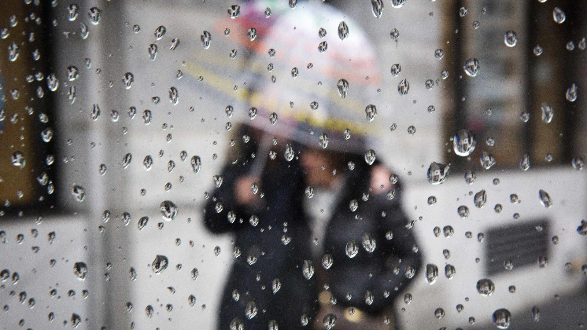 Distritos de Setúbal, Beja e Faro sob aviso amarelo devido à chuva