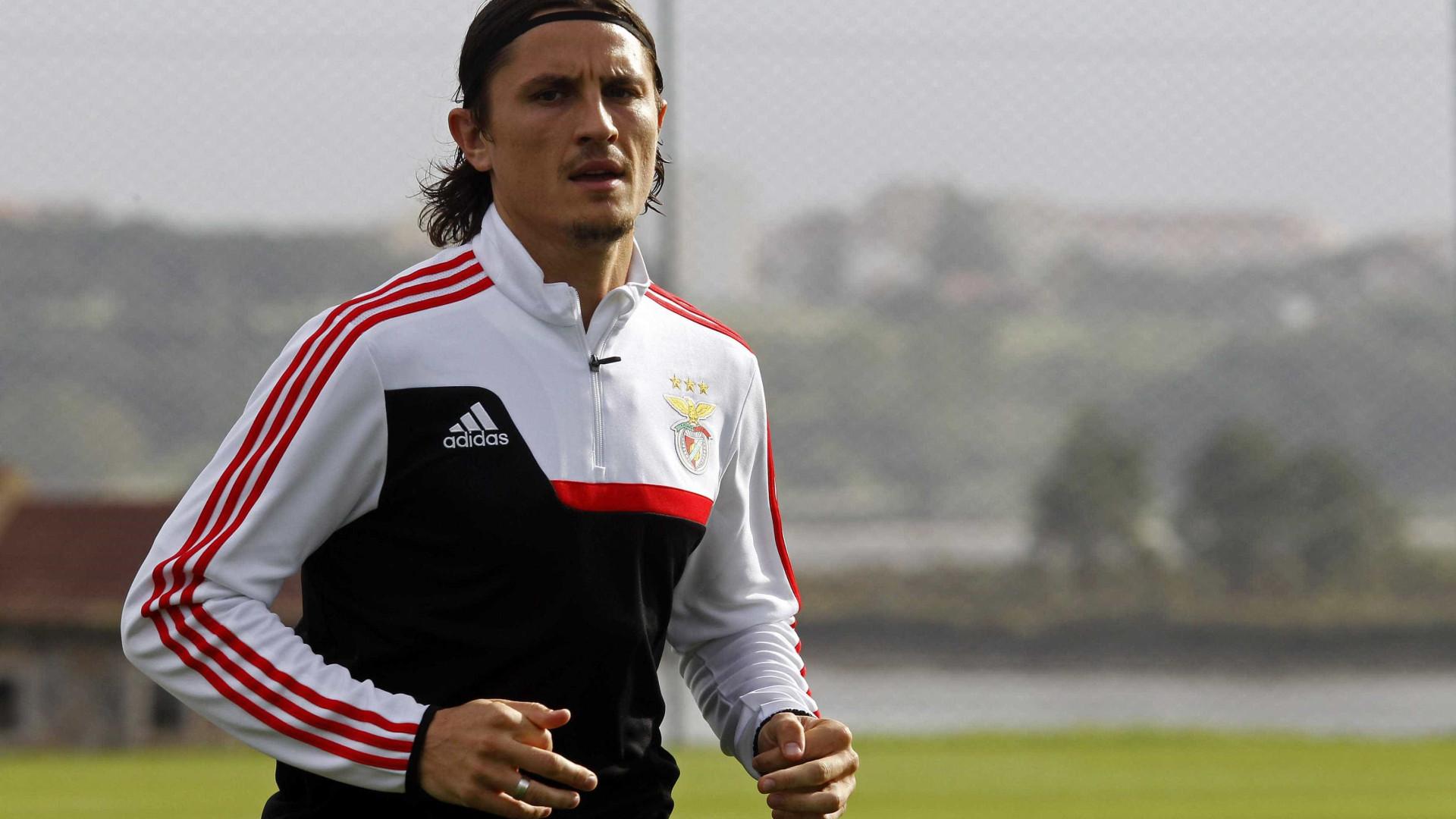 Fejsa lesionado não viaja com o Benfica para a Holanda