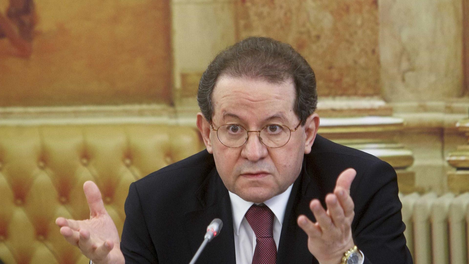 Constâncio diz que Berardo mentiu no parlamento sobre reuniões