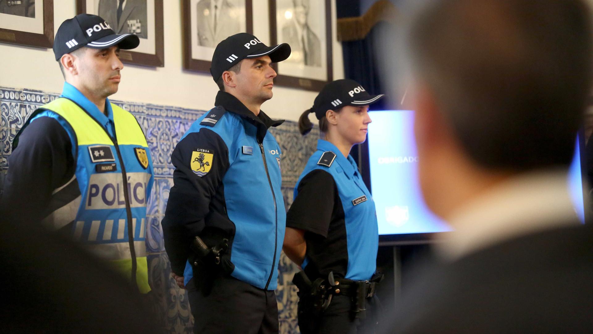 Mais de 20 pessoas detidas e 300 doses de droga apreendidas no sábado