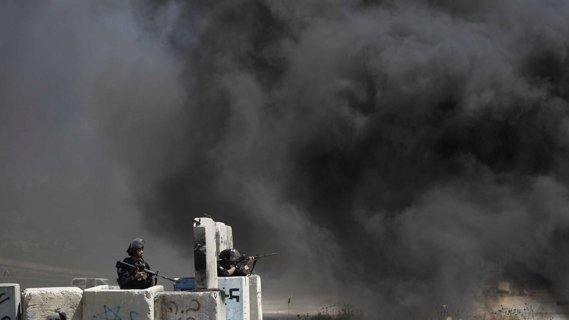 Exército israelense fere dezenas de palestinos na Faixa de Gaza