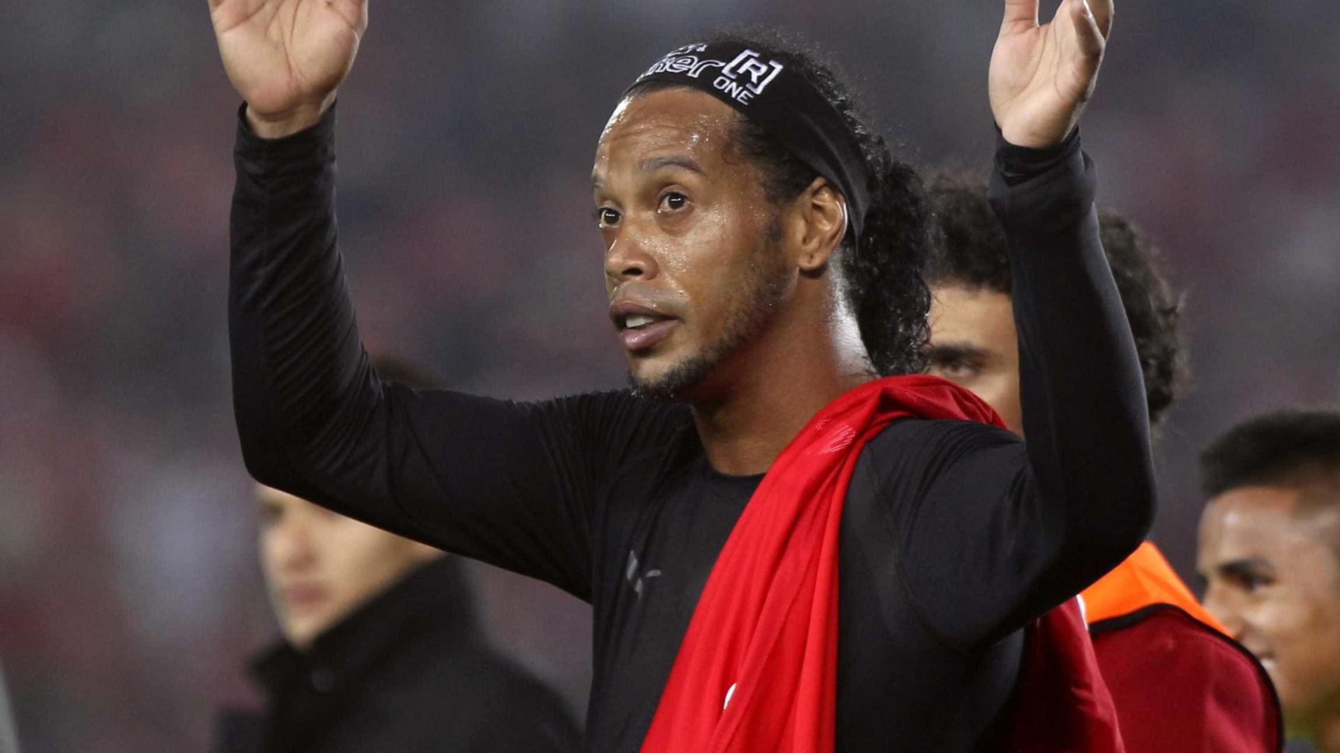 Ronaldinho e Riquelme estarão dispostos a jogar 'de borla' no Chapecoense