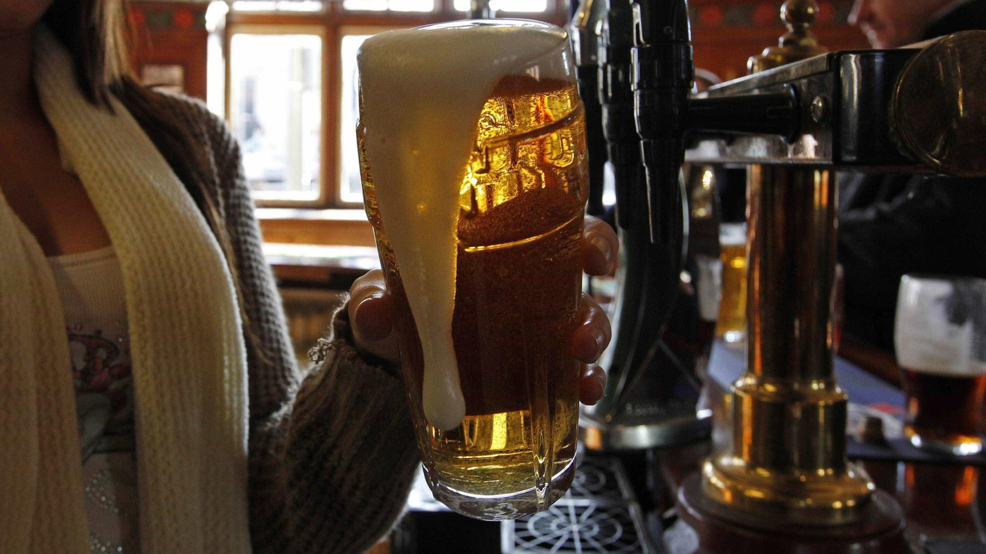 Os portugueses andam a beber menos cerveja