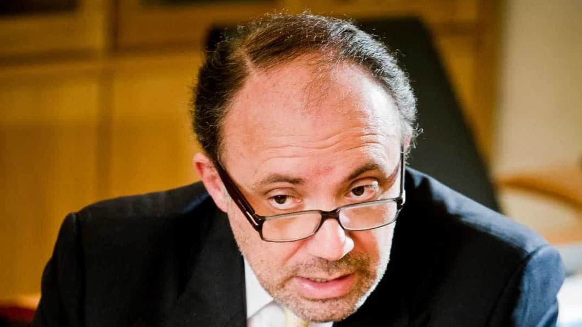 PSD admite votar a favor da moção de censura ao Governo