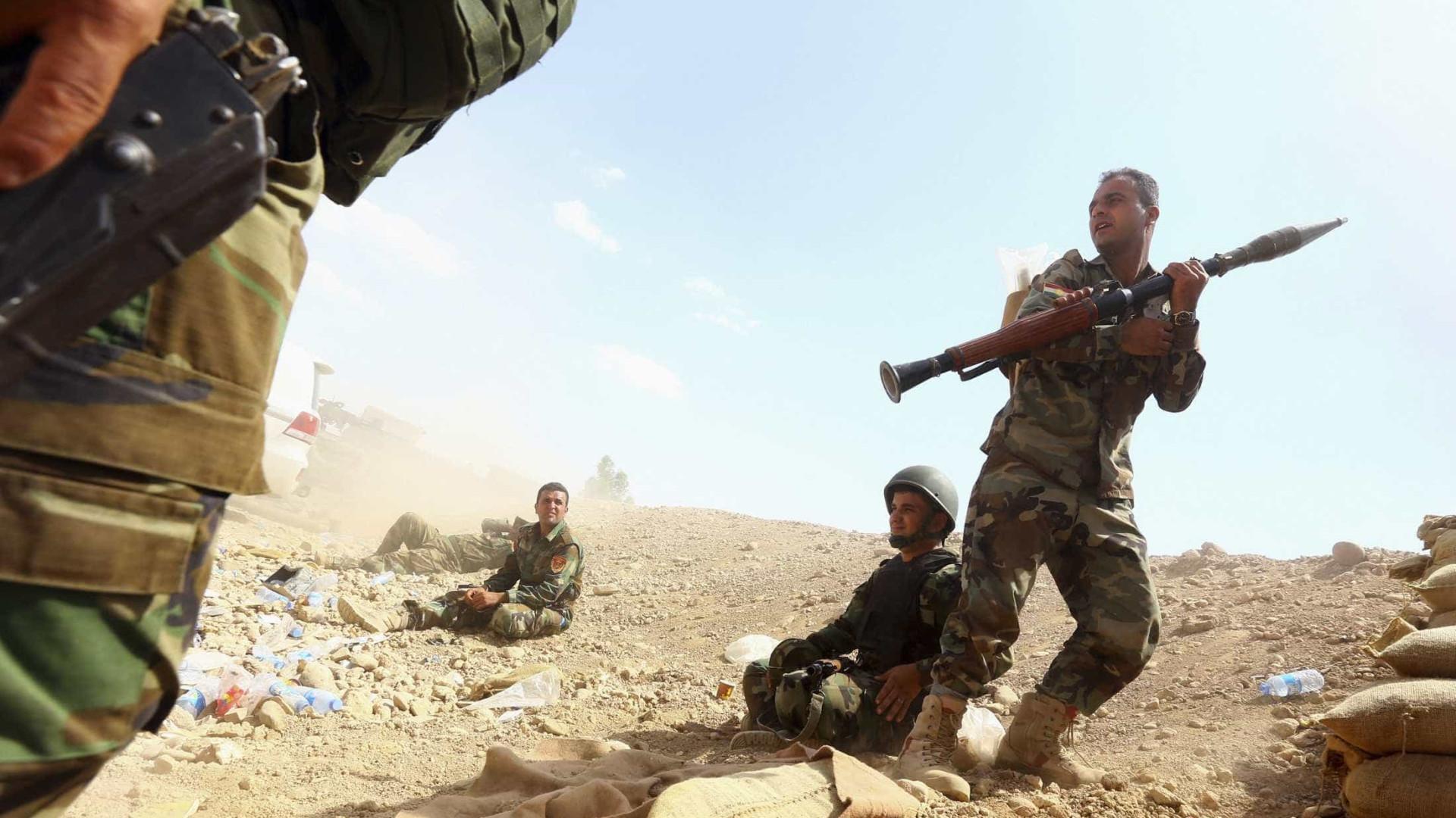 EUA bombardeiam coluna pró-regime perto da fronteira com a Jordânia