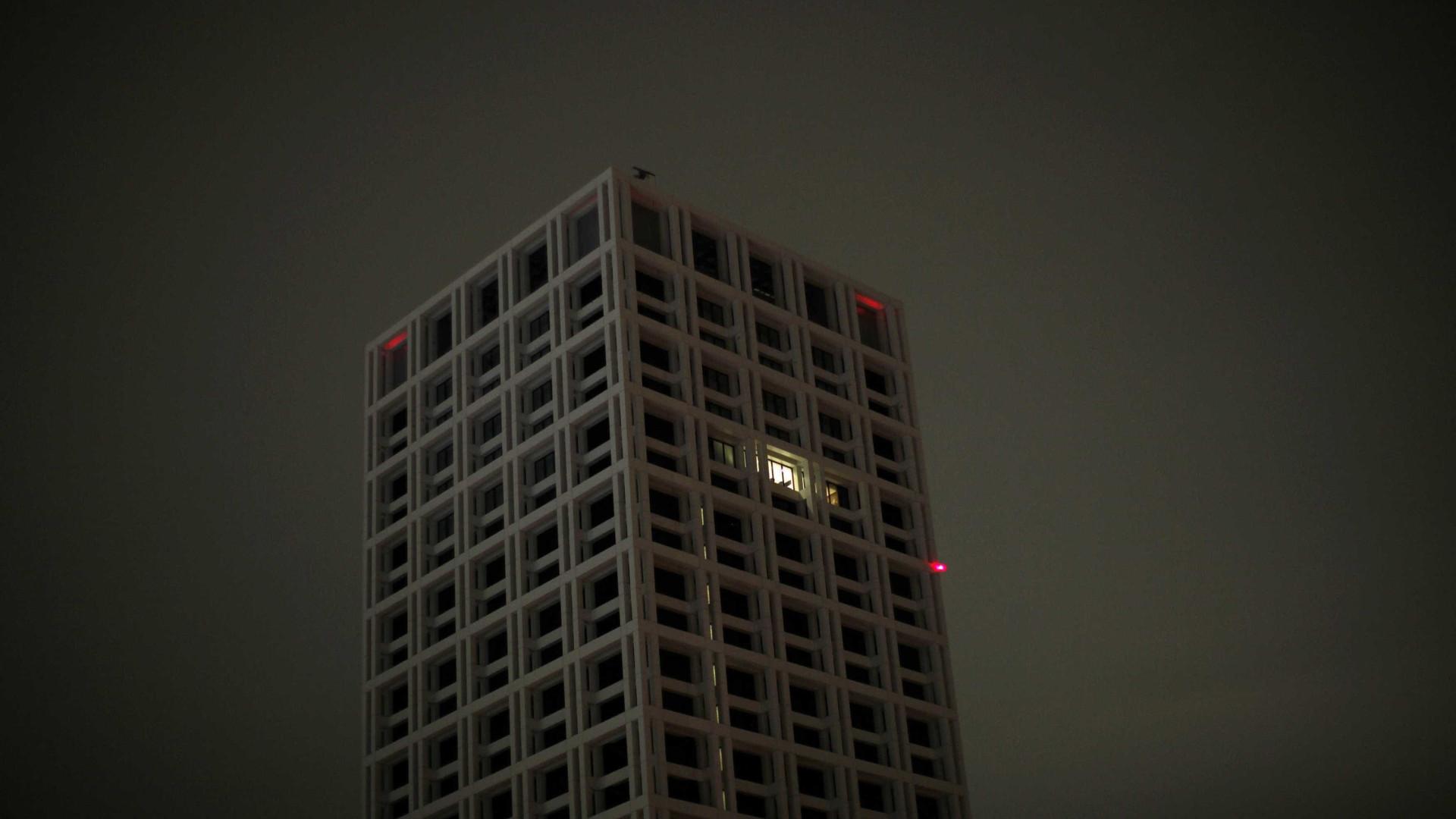 Número de edifícios licenciados interrompe queda dos últimos anos